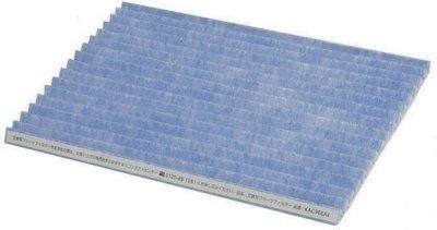 Гофрированный фильтр для MC707VM Daikin KAC972A4EФильтры и аксессуары<br>Гофрированный воздушный фильтр KAC972A4E для очистителя воздуха Daikin MC707VM быстро сделает воздух в Вашем доме чистым, свежим и здоровым. Комплект поставки состоит из 6 фильтров, которых Вам хватит на несколько лет при ежедневном использовании очистителя в помещении, где выкуривается по 10 сигарет в день. Если же Вы живете вдали от источников загрязнения воздуха, таких как заводы или дороги, то и срок службы фильтра в очистителе воздуха, соответственно, увеличивается.<br><br>Основные характеристики:<br><br>Фильтр предварительной очистки улавливает пыль и шерсть.<br>Фильтр  Био-антител  эффективно борется с вирусами и бактериями.<br>Фильтр  Плазма ионизатор  благодаря отрицательному заряду притягивает пыль и пыльцу.<br>Фронтальный электростатический фильтр очищает воздух от пыли и спор плесени.<br>Фильтр  Flash Streamer  разрушает соединения формальдегида и запахов.<br>Деодорирующий катализатор очищает воздух от запахов.<br><br>Гофрированный фильтр KAC972A4E для очистителя воздуха Daikin, состоящий из 6 слоев, быстро очищает воздух в помещении от запахов, пыли, пыльцы и вредных химических соединений.<br>Фильтр грубой очистки задерживает в себе пыль, шерсть домашних животных. Катехины, которые содержатся в этом фильтре, уничтожает вирусы, бактерии, и расщепляет молекулы сигаретного дыма и другие вредные соединения.<br>Завершает процесс очищения воздуха от вирусов фильтр био-антител.<br>Электростатический фильтр имеет отрицательный заряд и притягивает мелкие частицы пыли, споры плесени и пыльцу.<br>Благодаря стримерному разряду, фильтр  Flash Streamer  производит электроны, имеющие высокую скорость. Эти электроны оказывают разрушающее действие на формальдегид и запахи.<br>Следующий фильтр электростатической сборки пыли имеет отрицательный статический заряд, благодаря чему к нему притягиваются пыльца растений и пыль, которые имеют положительный заряд.<br>Последний, но не менее важный этап очистк