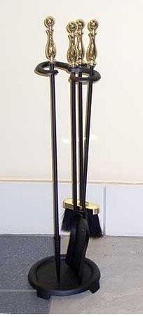 Каминный набор Real-Flame 40101 PKАксессуары<br>Аксессуар модели 40101 PK представляет собой каминный набор, который состоит из  элементов: совок, кочерга и метелка. Аксессуары данной модели одинаково хорошо подходят как для настоящих, так и для электрических каминов.<br>Каминные наборы данной модели имеют отделку черного цвета, которая является универсальной по цветовой гамме. Такая отделка дает возможность устанавливать очаги вместе с каминными наборами этой модели в любых помещениях вне зависимости от того, в каком именно стиле и цветовой гамме оно выполнено.<br>Размер каминных наборов модели 40101 PK составляет 70 сантиметров, что достаточно мало для устройств такого класса, это делает их простыми в эксплуатации, транспортировке и техническом обслуживании.<br> <br><br>Страна: Канада<br>Цвет: Античная вишня<br>Габариты ВхШхГ,мм: 700<br>Вес, кг: 1<br>Гарантия: 1 год