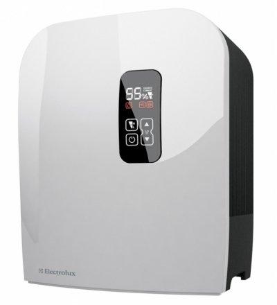 Мойка воздуха Electrolux EHAW-7515DБытовые мойки<br>Представленная модель мойки воздуха&amp;nbsp; Electrolux EHAW-7515D &amp;nbsp;предназначена для выполнения сразу двух функций: интенсивного увлажнения и очистки воздуха.&amp;nbsp;Устройство способно быстро и эффективно увлажнить, очистить воздух. Устранение из воздуха пыли и разных загрязнителей происходит естественным путем при его прохождении через водяной фильтр.&amp;nbsp;Когда уровень влажности превышает установленный уровень, автоматически происходит отключение увлажнения.&amp;nbsp;Благодаря этому влажность всегда находится на желаемом уровне.&amp;nbsp;<br>&amp;nbsp;<br>Главные особенности модели&amp;nbsp;Electrolux EHAW-7515D:<br><br>Индикатор замены ионизирующего стрежня<br>Электронное управление<br>2 уровня мощности<br>Регулировка влажности<br>Отсутствие сменных фильтров<br>Высокий уровень безопасности<br>Усовершенствованная вентиляционная система<br>Низкие шумовые показатели<br>Удобный водный резервуар<br>Равномерный расход воды<br>Автоматическое отключение при отсутствии воды<br>Экономное потребление электроэнергии<br>Компактные размеры<br>Стильный внешний вид<br>Сенсорное управление при помощи дисплея<br>Автоматическое затемнение дисплея<br>Высокое качество сборки<br>Гарантия производителя<br><br><br>Главным преимуществом является специальный ионизирующий стержень с серебряным напылением. Принцип полноценного функционирования максимально прост и &amp;nbsp;поистине гениален. Для очистки используется обычная водопроводная воды, которая будет экологически чистым и естественным раствором. Превосходное сочетание очистки воздуха и поддержания здорового микроклимата в помещении. Серебряные свойства моментально осуществляют очистку воздуха от бактерий и болезнетворных микроорганизмов. Эффективно устраняются примеси, пыль, пыльца, шерсть домашних животных, споры и другие аллергены.&amp;nbsp; После функции очистки, очищенная вода медленно &amp;nbsp;испаряется.<br>На сегодняшний день мойка является необходимым обор