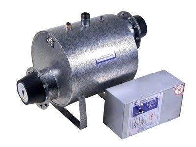 Котел Эван ЭПО-3636 кВт<br> <br><br>Электрический котел Эван ЭПО-36. Ряд преимуществ, которые значительно увеличивают срок эксплуатации. Единый корпус агрегата покрыт антикоррозийным напылением, которое эффективно сохраняет внешний вид.  Встроенный нагревательный элемент изготавливается из нержавеющей стали.<br>Преимущества и особенности представленной модели электрического котла:<br><br>Однофланцевый<br>Антикоррозийное полимерно-порошковое покрытие<br>Рабочий и аварийный (самовозвратный) термодатчики<br>Имеется возможность подключения выносного датчика по воздуху<br>Единый корпус<br>Встроенный ТЭН из нержавеющей стали<br>Предусмотрен программируемый термостат с суточными и недельными программами<br>Встроенная самовозвратная защита от перегрева и замораживания<br>Надежная теплоизоляция<br>Стабильная работа при изменении напряжения сети  10%<br>Предусмотрена релейная коммутация включения ТЭНов<br>Эффективная система самодиагностики<br><br>Рассматриваемую модель можно использовать в качестве основного или резервного источника отопления. Котел полноценно функционирует от напряжения 380В. Для удобства регулирования предусмотрен пульт дистанционного управления. Встроен предохранительный клапан и манометр. Оборудование полноценно функционирует в системах с естественной и принудительной циркуляцией теплоносителя. Эффективным теплоносителем является дистиллированная вода или иная жидкость, которая не способна замерзать. Релейная система регулирования защищает систему и делает ее менее чувствительной к перепадам напряжения. Предусмотрена одна емкость нагрева, на которой расположен фланец и ТЭН изготовленный из нержавеющей стали. Для повышения уровня безопасности имеется входной и выходной патрубок и аварийный термовыключатель. На панели управления расположена кнопка включения, ручка терморегулятора и светодиодная лампочка индикация нагрева. <br> <br><br><br>Страна: Россия<br>Производство: Россия<br>Режим работы: Отопление<br>Тип установки: Настенная<br>Колво нагревательных т