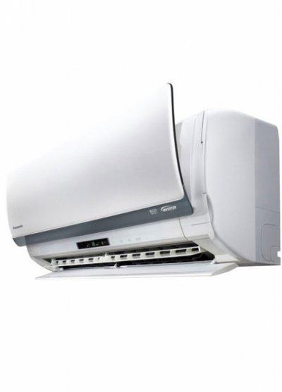 Настенный кондиционер Panasonic CS-VE09NKE25 м? - 2.6 кВт<br><br>Кондиционер Panasonic CS/CU-VE09NKE – это бытовая инверторная сплит-система серии EXCLUSIVE, предназначена для настенной установки. Этот кондиционер быстро создаст комфортную и здоровую атмосферу в Вашем помещении. Panasonic CS/CU-VE09NKE работает на охлаждение, обогрев, а также на осушение воздуха. Также, он оборудован акими функциями, как Сенсор движения AUTOCOMFORT, Сенсор движения ECONAVI, Управление тепловым зарядом HEATCHARGE и Воздухоочистительная система NANOE-G.<br>Преимущества модели:<br><br>Сделано в Японии<br>Воздухоочистительная система NANOE-G<br>Функция устранения запахов<br>Съемная моющая панель<br>Инверторное управление INVERTER<br>Сенсор движения ECONAVI<br>Сенсор движения AUTOCOMFORT<br>Бесшумный режим Quite (mode)<br>Режим ускоренного охлаждения/обогрева Powerful<br>Режим мягкого осушения Soft Dry<br>Широкие и длинные направляющие лопатки<br>Создание персонального воздушного потока<br>Жалюзи Quad Louver<br>Управление направленностью воздушного потока (вверх/вниз)<br>Ручное управление горизонтальной направленностью воздушного потока<br>Автоматическое управление в режиме сна (Sleep)<br>Автоматическое переключение (тепловой насос)<br>HEATCHARGE - управление горячим запуском<br>24-х часовой двухрежимный таймер вкл./выкл. с установкой в реальном времени<br>Мультифункциональный пульт ДУ с ЖК-дисплеем<br>Дистанционный автоматический перезапуск<br>Конденсатор Blue Fin<br>Длинный трубопровод — 15м<br>Техобслуживание с доступом через верхнюю панель<br>Функция самодиагностики<br><br><br><br><br>Специалисты фирмы Panasonic разработали инновационную технологию по использованию тепловой энергии HEATCHARGE и представили ее в кондиционере Panasonic CS/CU-VE09NKE. Обычно в работающем кондиционере источником тепла является компрессор. Но система HEATCHARGE теперь исключает напрасные потери тепла и направляет его на обогрев хладагента, что в несколько раз повышает эффективность работы кондиционера в р
