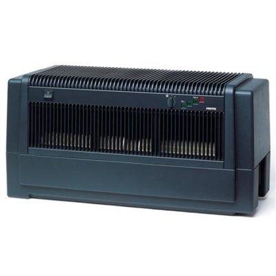 Мойка воздуха Venta LW81 (черная)Промышленные мойки<br> <br><br><br>Промышленная мойка воздуха Venta LW81 (черная)   отличный вариант для использования в домашних условиях или на работе. Рассматриваемая модель оснащена автоматической подачей воды. Очень удобная установка прибора. Шланг подачи воды можно скрыть от посторонних глаз за плинтусом, а при опустошении водного резервуара он самостоятельно пополняется до необходимого уровня. Такое конструктивное решение очень удобное и современное, практически исключен человеческий фактор в управлении оборудованием. На сегодняшний день все больше становятся популярны и востребованы промышленные увлажнители воздуха. Основным отличием от бытовых аппаратов является обслуживание помещений объемом от 800 куб.м. Самым распространенным видом использования прибора являются производственные цеха по переработке дерева и текстиля, и изо дня в день все чаще покупают модель для эксплуатации в бизнес центрах и строительных коттеджах.  Данная модель относится к разряду полуавтоматов. Осуществил подключение к водопроводу, и нет проблем с пополнением водного резервуара. <br><br><br> <br>Преимущества  и особенности рассматриваемой модели очиститель-увлажнитель воздуха:<br><br>Очистительный прибор оснащен функцией увлажнения<br>Обслуживающая площадь помещения составляет 800 куб.м<br>Нет проблем с установкой, эксплуатацией и техобслуживанием<br>Не необходимости прочистки или замены картриджей, т. к. в процессе работы кальций не оседает<br>Все очистительные элементы легко снимаются и прочищаются, не требуют замены<br>Надежная и прочная конструкция  эффективно работает не один десяток лет<br>Предоставляется дополнительная возможность для ароматизации воздуха в помещении; ароматические добавки разводятся в самом водном резервуаре и не требуют дополнительной остановки процесса функционирования<br><br> <br>Принцип работы основан на пропускании воздушной массы через водяной фильтр, который является экологически чистым и максимально природным. В воде 