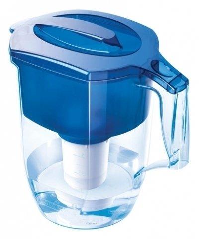 Фильтр для воды Аквафор ГарриФильтр-кувшин<br>Аквафор Гарри - очень удобный и элегантный, универсальный фильтрующий модуль с бактерицидной добавкой.  Работает с модулями: В100-5, В100-6, В100-7, В100-8.   Качество очистки питьевой воды фильтрами Аквафор подтверждено испытаниями, проведенными в Институте Токсикологии Минздрава России Преимущества товара: Кувшин не простаивает зря - оптимальное соотношение объемов кувшина и воронки  Носик кувшина оснащен крышкой, предотвращающей попадание пыли.Большое количество чистой воды за один раз.Подходит для очистки воды на даче и дома Технические характеристики:   Удаляемые загрязнения:Активный хлор 100%,Нефтепродукты 95%,Фенол 99%,Пестициды 99%,Тяжелые металлы 99%   При использовании модуля В100-6 содержание солей жесткости снижается до необходимого<br><br>Страна: Россия<br>Объем, л: 3,9<br>Размеры: 267x152x258<br>Вес, кг: 1<br>Гарантия: 1 год