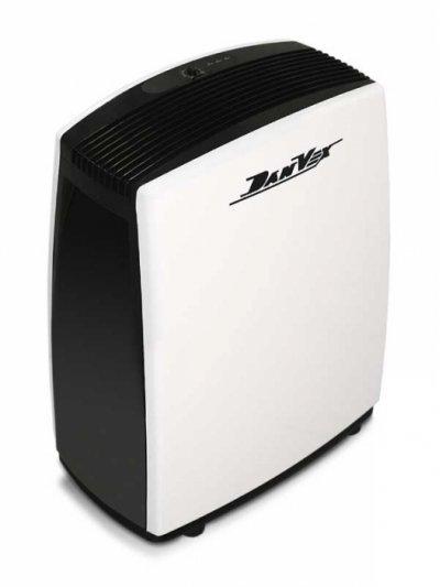 Осушитель воздуха DanVex DEH-1000p70 литров<br>Осушитель воздуха DEH-1000p производства фирмы DanVex (Финляндия) разработан для безостановочного автоматического осушения воздуха. Компактность установки обеспечивает удобство транспортировки и эксплуатации. Система управления полностью автоматизирована. Предусмотрен бесперебойный регулируемый гигростат, интегрированная переливная система, а также гибкий шланг для отвода конденсата. При наполнении резервуара для конденсата звучит тройной звуковой сигнал и установка отключается. Сигнал будет повторяется каждые 5 минут, на дисплее отображается сообщение Е4 до опустошения резервуара.&amp;nbsp;<br><br>Центральный офис компании DanVex находится в Хельсинки, а основная сборка продукции и главные склады &amp;ndash; неподалеку от Хельсинки в районе Эспоо. Разработка внешнего дизайна и проектирование деталей продукции происходит на производственных мощностях в Финляндии, а некоторая часть систем производится на заводах в Восточной Европе, что позволило сделать цену на продукцию более доступной. В процессе производства используются сырье и комплектующие только высокого качества. Каждая единица этой продукции проходит тестирование и строгий контроль, что делает качество и надежность этого оборудования непревзойденным.  Компания DanVex совмещает в себе все плюсы европейского производства климатического и отопительного оборудования и адаптированная для эксплуатации при неласковом климате России.<br>&amp;nbsp;<br><br>&amp;nbsp;<br>Особенности DanVex:<br><br>Европейское качество<br>Высокая производительность<br>Корпус из высокопрочной пластмассы<br>Тихий вентилятор<br>Жидкокристаллический дисплей<br>Индикация с панели управления<br>Встроенный автоматический гигростат<br>Полностью автоматический режим работы<br>Возможно подсоединение гибкого шланга для непосредственного вывода конденсата<br>Система защиты при наполнении резервуара<br>Сменный воздушный фильтр<br>Небольшой размер и вес<br>Транспортировочные колеса<br><br>&amp;nbsp;<br>О