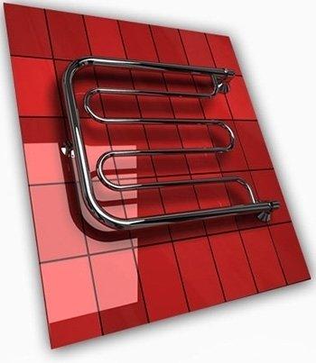 Водяной полотенцесушитель Двин D с полочкой (1) 60/40Фокстроты<br>Конструкция полотенцесушителя Двин D с полочкой (1) 60/40 предусматривает наличие нескольких перекладин для просушки полотенец и другого белья, а также две полочки, на которых будет удобно располагать обувь и головные уборы. Это одна из наиболее популярных моделей среди ассортимента полотенцесушителей Двин, что вполне объясняется ее практичность и функциональностью.<br>Выберите свой цвет полотенцесушителя:<br> <br>Цена указана за полотенцесушители без цветного покрытия. Для определения стоимости прибора в цвете обратитесь к менеджеру.<br>Обратите внимание! Полотенцесушитель поставляется под заказ. Срок выполнения заказа 10 дней.<br>Особенности и преимущества водяных полотенцесушителей Двин серии D с полочкой<br><br>Полотенцесушители отечественного производства.<br>Пищевая нержавеющая сталь марки AISI 304.<br>Толщина стенки коллектора полотенцесушителя 2 мм.<br>Рабочее давление 8 атмосфер (24,5 атм. макс).<br>Давление при испытании 40 атмосфер.<br>Максимально возможная температура воды 110 С.<br>Тепловая мощность, в зависимости от типоразмера полотенцесушителя, составляет от 130 до 360 Q-Вт.<br>Универсальное подключение: справа и слева.<br>Срок службы более 10 лет.<br><br>Комплектация:<br><br>Полотенцесушитель<br>Упаковка (картонная коробка, полиэтиленовый пакет)<br>Гарантийный талон<br>Паспорт на изделие<br><br>Обратите внимание! Фитинги не входят в комплект поставки! Цену на соединительные элементы уточняйте у менеджера. <br>Компания Двин представляет еще одну серию удобных полотенцесушителей с подводом горячей воды  D с полочкой . Одно из неоспоримых преимуществ таких агрегатов   это универсальность подключения. Пользователь может присоединить контур ГВС к прибору и с левой стороны, и с правой, что значительно упрощает процесс монтажа. Стоит отметить. Что данное оборудование прошло тщательное предпродажное тестирование и сертифицировано надлежащим образом. <br><br>Страна: Россия<br>Производитель: Ро