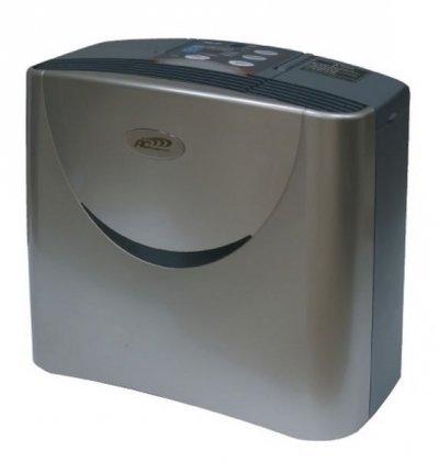 Очиститель воздуха Aic 3SK-AC0304MОчистка + Увлажнение<br>Благодаря увлажнителю-очистителю воздуха AIC 3SK-AC0304M Вы всегда будете окружены чистым и свежим воздухом, умеренно увлажненный и идеально очищенный от загрязнений всех видов.<br>Возможность отключать функции ионизации и увлажнения воздуха позволяют использовать функции устройства в любом сочетании, а эстетичный дизайн и бесшумная работа создают морально-эстетическое удовлетворение от эксплуатации прибора.<br> Особенности прибора:<br><br>Функция автоматического контроля влажности<br>Возможность настройки производительности<br>Автоматическое отключение при низком уровне воды в емкости<br>Автоматическое отключение прибора при снятии водяной емкости<br>Наличие функции озонирования воздуха<br>Умягчающий картридж для воды в комплекте<br>Светодиодный дисплей<br>Сенсорное управление прибором<br>Бесшумная работа<br>Низкое энергопотребление<br>Современный эстетичный дизайн<br><br>Очиститель-увлажнитель воздуха   универсальное устройство, которое обеспечивает максимально высокое качество воздуха в помещении, где прибор работает, не нагромождая в комнате большого количества отдельных приборов.<br>Поддержание здорового уровня влажности воздуха (в пределах 50-60 % RH) защищает не только предметы интерьера от пересыхания и растрескивания, комнатные растения от подсыхания кончиков, но и, что гораздо более важно,   Ваше здоровье от возможных заболеваний, связанных с недостатком влаги в окружающем воздухе. Аллергические реакции, сухость кожи, пересушенные слизистые оболочки, плохой транспорт кислорода в легких и другие проблемы могут возникать у нас именно из-за слишком сухого воздуха в помещении. При этом мы круглый год подвергаемся в домах и на работе воздействию факторов, сильно понижающих содержание влаги в воздухе. Это и кондиционеры летом, и отопительные приборы зимой, и другое оборудование, под воздействием которого влага, находящаяся в воздухе, удаляется.<br><br>Пять ступеней очистки воздуха позволяет устранить из в