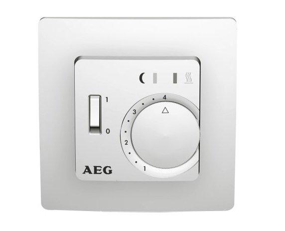 Теплый пол Aeg FTE 5050 SNТерморегуляторы<br>Электронный терморегулятор FTE 5050 SN от производителя Aeg представляет собой встраиваемый терморегулятор с выносным датчиком температуры пола. Специальный датчик позволяет осуществлять постоянное поддержание выставленной температуры от +10 до +40 градусов. Удобное механическое управление с помощью переключателя.<br><br>Страна: Германия<br>Мощность, кВт: 3,5<br>Канальная мощность, кВт: None<br>Длина, м: None<br>Программирование: None<br>Площадь, м?: None<br>Управление: Механическое<br>Функция защиты от перегрева: None<br>Тип кабеля: None<br>Размер, мм: 80,5x80,5x45<br>Напряжение, В: None<br>Вес, кг: 1<br>Гарантия: 3 года<br>Ширина мм: 80.5<br>Высота мм: 80.5<br>Глубина мм: 45