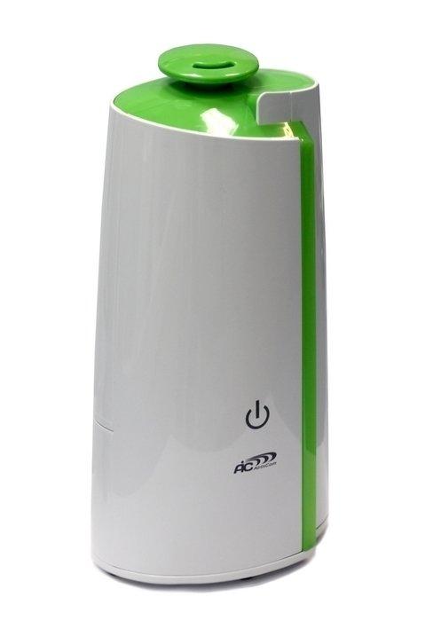 Увлажнитель воздуха Aic SPS-748Ультразвуковые<br>Простой в эксплуатации прибор с ярким оригинальным дизайном &amp;ndash; увлажнитель серии AIC SPS-748. Используя ультразвуковую технологию для увлажнения воздуха, прибор эффективно увеличивает уровень относительной влажности в обслуживаемом помещении. Ультразвуковые увлажнители AIC безопасны в использовании &amp;ndash; из прибора выходит холодный пар, а при отсутствии воды в резервуаре специальное реле отключит прибор, предотвращая его поломку.<br>Отличительные особенности увлажнителя AIC SPS-748:<br><br>Ультразвуковая технология увлажнения;<br>Оригинальная форма корпуса &amp;ndash; уникальное дизайнерское решение;<br>Элегантное цветовое решение корпуса;<br>Возможность регулировки интенсивности испарения &amp;ndash; 2 режима;<br>Автоотключение прибора при отсутствии воды в резервуаре;<br>Удобная конструкция позволяет легко наполнять резервуар водой;<br>Бесшумная работа;<br>Высокое качество комплектующих обеспечивают прибору длительный срок безупречной эксплуатации.&amp;nbsp;<br><br>Приборы для увлажнения воздуха давно перестали быть чем-то особенным &amp;ndash; для современного человека, который заботиться о своем здоровье и здоровье членов своей семьи, увлажнитель это рядовой бытовой прибор, который поддерживает оптимальный уровень влажности в помещении. Значение оптимальных параметров воздуха для человека давно изучено и поддержать их в нужных и полезных для здоровья рамках под силу бытовому прибору &amp;ndash; увлажнителю. Для того чтобы уровень влажности в помещении был в приделах 55-65 % достаточно иметь небольшой прибор (увлажнитель) и воду &amp;ndash; потребляя совсем немного энергии (всего 20-30 Вт) и расходуя 150-250 мл/ч воды в помещении в течение небольшого промежутка времени влажности достигнет заданных параметров. Увлажнители воздуха серии AIC SPS, использующие хорошо зарекомендовавшую себя ультразвуковую технологию, это современные приборы элегантного дизайна, которые просты в эксплуатации и имеют высоку