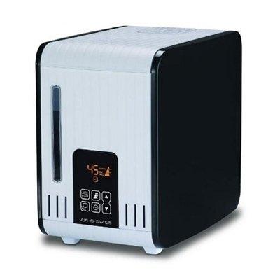 Увлажнитель воздуха Boneco S450Традиционные<br>Boneco S450 &amp;ndash; это традиционный увлажнитель воздуха для помещений различного назначения, который с лёгкостью справится с проблемой пересушенного воздуха. Данная модель является универсальным прибором, потому, как помимо увлажнения, способен выступить в качестве ароматизатора воздуха, а также в качестве ингалятора. Использование увлажнителя безопасно &amp;ndash; выходящий при работе пар, даже при максимальной мощности, не нагревается выше 58 градусов. Для управления предусмотрена понятная сенсорная панель.<br><br>Основные преимущества рассматриваемой модели увлажнителя воздуха &amp;nbsp;Air-O-Swiss:<br><br>Способ увлажнения: стерильный пар.<br>Расходные материалы и сменные фильтры не требуются.<br>Очистка жесткой воды от известковых примесей.<br>Наличие режима очистки прибора от накипи.<br>Дополнительная функция: ароматизация воздуха.<br>Возможность использовать в качестве ингалятора.<br>Исходящий пар не обжигает (его температура варьируется в пределах +48~ +58 &amp;deg;C и зависит от интенсивности работы устройства).<br>Наличие сенсорного дисплея с интеллектуальным управлением.<br>Функция автоматического затемнения дисплея.<br>Наличие автоматических режимов работы: AUTO и ECONOM.<br>Функция автоматического определения интенсивности работы.<br>Наличие таймера на включение и отключение прибора.<br>Наличие индикатора низкого уровня воды.<br>Функция автоматического отключения.<br>Наличие индикатора чистки прибора.<br>Наличие удобной ручки для перемещения прибора.<br>Эргономичный дизайн и компактные размеры.<br><br>Увлажнители воздуха Boneco Air-O-Swiss &amp;ndash; это современное оборудование, которое поможет сохранить в помещение нормальный баланс относительной влажности воздуха в помещениях, а значит и сохранит здоровье людей, которые находятся рядом с приборами. Работа оборудования осуществляется по принципу естественного парообразования, путем нагрева воды до состояния кипения. Все модели серии способны создать