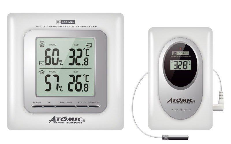 Цифровая метеостанция Atomic W239009 WhiteС радиодатчиком<br>Atomic W239009 White &amp;ndash;&amp;nbsp;маленький офисный прибор с датчиками температуры и влажности &amp;ndash; термометр-гигрометр. Функциональность данного прибора ограничена измерением двух основных параметров воздуха &amp;ndash; это температура и влажность. Благодаря наличию выносного датчика прибор может измерять эти параметры в соседнем помещении от места&amp;nbsp; установки основного блока или же на улице. Устройство прекрасно подойдет для дома и для дачи.&amp;nbsp;<br><br>Страна: Канада<br>Диапазон темп. t, С: 50+70<br>Диапазон p, мм. рт. ст.: None<br>Диапазон rH, : 2090<br>Разрешение t, С: 0,1<br>Цвет корпуса: Белый<br>Питание, В: Батарейки<br>Колво батареек: 2<br>Тип батарейки: АА<br>Адаптер к 220В: Нет<br>В комнате t, С: Да<br>За окном t, С: Да<br>Влажность в помещении: Да<br>Влажность за окном: Да<br>Давление: Нет<br>Прогноз погоды: Нет<br>Лунный календарь: Нет<br>Размер, мм: 140х40х200<br>Вес, кг: 1<br>Гарантия: 1 год<br>Ширина мм: 40<br>Высота мм: 140<br>Глубина мм: 200