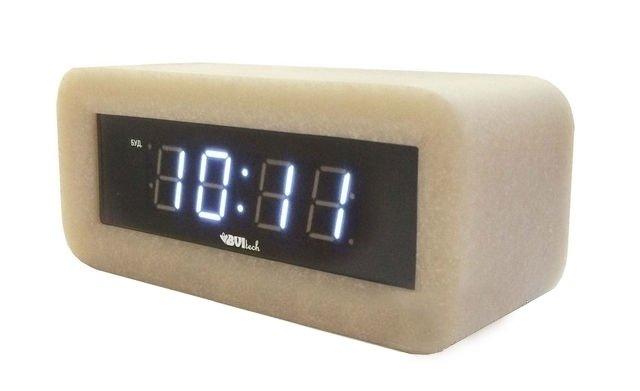 Часы без проекции BVItech BV-18WWSЧасы без проекции<br>BV-18WWS   это настольные часы с большим индикатором точного времени. Разработан гаджет компанией BVItech, которая оснастила свое устройство красивым и невероятно прочным корпусом из великолепного мрамора цвета беж. Модель имеет удобную автоматическую регулировку яркости подсветки, а также будильник с функцией  Snooze , которая позволяет несколько раз отложить сигнал.<br>Основные преимущества использования рассматриваемой модели настольных электронных часов от торговой марки BVItech:<br><br>Невероятно стильный современный внешний облик, компактные размеры.<br>Новинка сезона! <br>Корпус изготовлен из мрамора высокого качества.<br>Автоматическая регулировка яркости.<br>Функция будильника  Snooze .<br>Размер цифр индикатора: 23 мм(0,9 ).<br>Номинальное напряжение питания: АС: 200-240В - 50/60 Hz.<br>Сетевой адаптер.<br>Высокое качество и комфорт в управлении.<br><br>Пожалуй, часы   это неотъемлемая часть интерьера абсолютно каждого дома или офиса. Торговая марка BVItech представила обновленную серию сетевых настольных часов с функцией будильника, где каждый сможет подобрать прибор себе по душе. Широкий ассортимент моделей располагает приборами различной формы, дизайна, а также разнообразным цветовым вариантом свечения элементов дисплея.  Все модели серии работают от стандартной сети электричества. Также, для некоторых устройств, в качестве резервного источника питания могут быть использованы батарейки.<br><br>Страна: Китай<br>Питание, В: Сеть/Бат.<br>Тип батарейки: КРОНА<br>Колво батареек: 1<br>Адаптер к 220В: Есть<br>С будильником: Да<br>Радиодатчик: None<br>С метеостанцией: None<br>В помещении t, С: Нет<br>За окном t, С: Нет<br>Влажность в помещении: Нет<br>Влажность за окном: Нет<br>Давление: Нет<br>Прогноз погоды: Нет<br>Габариты, мм: None<br>Вес, кг: 1<br>Гарантия: 1 год
