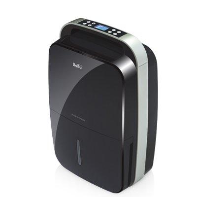 Осушитель воздуха Ballu BDM-30L BLACK30 литров<br>Осушитель воздуха черного цвета Ballu (Баллу) BDM-30L BLACK для квартиры и дома в стильном черном корпусе оснащен электронным управлением, которое позволит быстро задать нужные настройки. Встроенный воздушный фильтр поможет произвести очистку воздуха в помещении. Кроме того бытовой осшутель для бассейна Ballu BDM-30L BLACK можно использовать для вентиляции воздуха. Рассматриваемый осушитель влажности   лучший среди подобных устройств своего сегмента.<br><br>Страна: Китай<br>Производитель: Китай<br>Площадь, м?: 50<br>Осушение, л/с: 30<br>Емкость бака, л: 5,0<br>Отвод дренажа: Сбор в бак<br>Уровень шума,  Дба: None<br>Мощность, Вт: 540<br>Гигростат: Да<br>Гигрометр: Да<br>Габариты ВхШхГ, см: 58,6х37,2х24,7<br>Вес, кг: 15<br>Гарантия: 1 год<br>Ширина мм: 372<br>Высота мм: 586<br>Глубина мм: 247