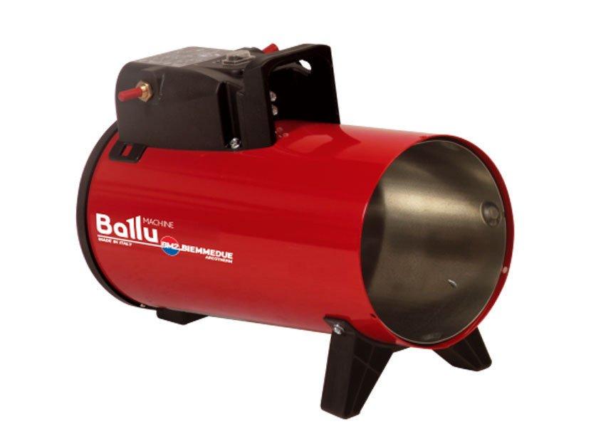 Тепловая пушка Ballu-Biemmedue GP 10M CГазовые пушки<br>GP 10М C  - теплогенератор, работающий на газообразном топливе от итальянского брэнда Ballu-Biemmedue. Модель газовой тепловой пушки небольшой мощности серии GP - это небольшой вес, удобное управление, мобильность, газовый шланг длиной 1,5 м входит в комплект поставки. Оборудование безопасно в использовании, имеется контроль пламени и предохранительный термостат.  <br>Основные характеристики товара:<br><br>Большая обогреваемая площадь<br>Направленный обогрев<br>Работа на газообразном топливе<br>Высокий КПД (близок в 100%)<br>Автоматический запуск (электронный поджиг)<br>Возможность регулировки интенсивности нагрева<br>Автоматическое поддержание заданной температуры<br>Встроенная автоматическая горелка на газе пропан-бутан<br>Электронный контроль пламени с ионизационным электродом (А)<br>Наличие предохранительного термостата<br>Итальянский редуктор с поддержанием давления<br>Удобное расположение блока управления<br>Предварительная вентиляция камеры сгорания<br>Возможность подключения гигростата, термостата и таймера предусмотрен специальный разъем<br>Модель GP 105A C имеет функцию контроля снижения напряжения<br>Мобильность, небольшой вес<br>Высокая устойчивость благодаря опорной конструкции<br>В комплекте газовый шланг (1,5 м) и шнур питания (1,5 м)<br><br>Газовые теплогенераторы серии GP от Ballu Biemmedue   это мобильное профессиональное оборудование для направленного обогрева.<br>Теплогенератор оснащен автоматической газовой горелкой с итальянским редуктором и электронным контролем пламени, которая работает на газообразном топливе (пропан, смесь газообразного бутана и газообразного пропана).<br>Для более комфортного использования этого нагревателя воздуха, производители предоставили возможность дополнительно подключить к прибору гигростат для удобства контролирования уровня влажности воздуха, термостат для коррекции температурного режима в помещении, а также таймер, который позволит прибору самостоятельно от