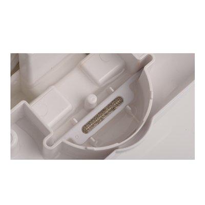 Серебряный стержень Ballu DSS-100Аксессуары<br>Ballu DSS-100   это специальный серебряный стержень, который используется в мойках воздуха моделей AW-320/AW-325 для обеззараживания воды в емкости устройства. Такой фильтр препятствует затуханию воды, блокирует возникновение неприятного запаха, помимо этого, данный стержень способен обезвредить до 650 видов различных бактерий. Срок службы данной модели даже при интенсивном использовании мойки воздуха составляет 1 год.<br><br>Страна: Китай<br>Производитель: Китай<br>Объем, мл: None<br>Диапазон rH, : None<br>Габариты ВШГ,мм: None<br>Вес, кг: 1<br>Гарантия: 1 год