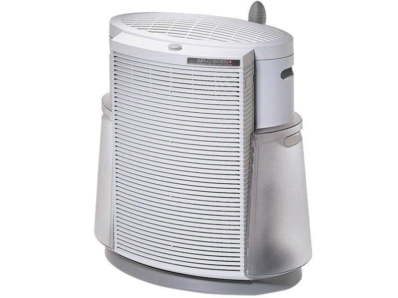 Очиститель воздуха Boneco 2071Очистка + Увлажнение<br>Boneco 2071   это современный климатический комплекс, который объединяет в себе функции сразу нескольких современных бытовых приборов. Представленная модель оборудована угольным и НЕРА-фильтрами, которые в тандеме способны очистить воздух о пыли, пыльцы растений, вредных бактерий и  вирусов, а также неприятных запахов. Комплекс имеет три ступени мощности, при этом потребление электроэнергии сведено к минимуму и максимально снижен уровень звукового давления. Помимо очистки, такой приор способен еще и качественно увлажнить воздух в помещении.<br><br>Основные преимущества рассматриваемой модели климатического комплекса Boneco:<br><br>Тип оборудования: климатический комплекс.<br>Стильный компактный внешний вид.<br>Профессиональная  очистка и увлажнение воздуха<br>Три ступени мощности, практически бесшумная работа.<br>Высокоэффективная циркуляция воздуха.<br>Два фильтра класса НЕРА + угольный фильтр.<br>Антибактериальный увлажняющий фильтр.<br>Уникальная система ароматизации воздуха.<br>Два вместительных съёмных бака для воды.<br>Световой индикатор включения/выключения прибора.<br>Низкое потребление электроэнергии.<br>Реализована возможность регулировки длины кабеля.<br>Для переноса прибор оборудован удобными ручками.<br><br>Серия очистителей воздуха Boneco   это приборы, который являются практически незаменимыми в настоящее время абсолютно в любом доме или в офисе. Ни для кого не секрет, что для нормального функционирования организма человеку необходим чистый воздух. Устройства для очистки и увлажнения воздуха  Air-O-Swiss помогут решить эту проблему, как нельзя лучше. Все модели быстро справляются с поставленной задачей, а некоторые из них способны еще и выступить в качестве ароматизатора. Стоит также обратить внимание на то, что все изделия изготовлены с применением современных технологий из качественных материалов, имеют современный облик, что позволит разместить их практически в любой интерьер помещения.<br><br>С