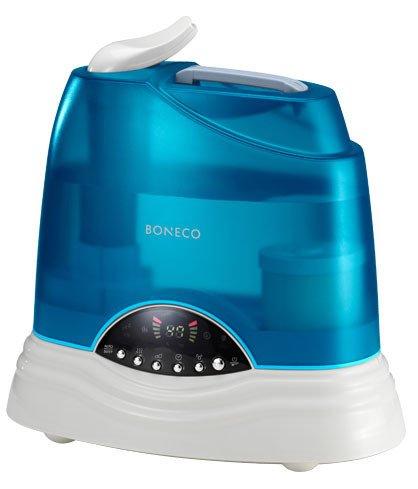 Увлажнитель воздуха Boneco U7135Ультразвуковые<br>Boneco &amp;nbsp;U7135 &amp;ndash; это прибор, без которого невозможно обойтись в сезон отопления помещений. Представленная модель &amp;ndash; современный увлажнитель воздуха, который работает на основе ультразвуковых колебаний. Перед тем, как расщепить воду на мельчайшие частички и подать в помещение, увлажнитель обеззараживает ее при помощи встроенного сменного картриджа с частицами серебра. Помимо этого, устройство нагревает воду до 80 градусов, что также способствует гибели большинства бактерий и вирусов.<br><br>Основные преимущества рассматриваемой модели бытового увлажнителя &amp;nbsp;воздуха Boneco :<br><br>Электронная система управления при помощи удобного регулятора.<br>Стильный современный дизайн.<br>Мобильность и функциональность.<br>Вместительная полупрозрачная емкость для воды.<br>Два режима работы: теплый пар, холодный пар.<br>Встроенный электронный гигростат.<br>Индикаторы окончания воды и необходимости в очистке прибора.<br>Светодиодная индикация работы.<br>Система обеззараживания воды &amp;mdash; нагрев до 80 &amp;deg;С.<br>Невероятно низкий уровень звукового давления.<br>AG+ картридж с частицами серебра.<br>Сменный наполнитель для картриджа.<br>Долговечная &amp;laquo;золотая&amp;raquo; мембрана (покрытие titaniumnitrite).<br>Автоматическое отключение при низком уровне воды.&amp;nbsp;<br><br>Ультразвуковые увлажнители воздуха &amp;nbsp;Boneco Air-O-Swiss &amp;ndash; это приборы, которые, несомненно, необходимы в каждом доме. Приборы серии U можно брать с собой в поездку или на работу, ведь они имеют компактные размеры и не займут много места. Работа таких устройств заключается в том, что ультразвуковая мембрана разбивает воду на мельчайшие частички и устройство, при помощи встроенного вентилятора подает их в помещение в виде пара или тумана. Все приборы выполнены в современном дизайне, на выбор предоставляется несколько ярких цветовых вариантов исполнения.<br><br>Страна: Швейцария<br>Производитель: Ч