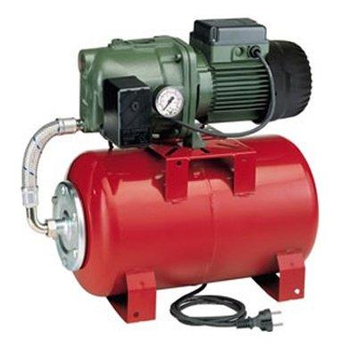 Насосная станция DAB AQUAJET 92 MПоверхностные станции<br>Dab (Даб) AQUAJET 92 M   это производительный, надежный насос от известной итальянской торговой марки. Агрегат качественно исполнен, прост в установке и обслуживании, удобен в использовании и совершенно безопасен в эксплуатации. Компания-производитель позаботилась о системе защиты прибора, что значительно продляет срок его безукоризненной службы. Выбирая насос Dab, вы выбираете качество и комфорт.<br>Особенности рассматриваемой модели насосной станции от торговой марки DAB:<br><br>Высокая производительность;<br>Встроенная защита электродвигателя;<br>Гидравлический мембранный бак (20 л);<br>Манометр;<br>Насос серии JET;<br>Гибкий шланг, соединяющий гидравлический бак и насос с переходным штуцером;<br>Реле давления;<br>Корпус насоса   чугун;<br>Рабочее колесо:  термопласт;<br>Диффузоры: термопласт;<br>Максимальная температура окружающей среды: +40 градусов.<br>Может быть использована для повышения напора (давления) воды в имеющихся водопроводных системах. Также для подачи воды из резервуаров, колодцев, рек, как для бытовых, так и хозяйственных нужд (полив);<br>Подходит для непрерывной работы;<br>100% гарантия качества.<br><br>Насосные станции серии AQUAJET от бренда Dab предназначены для работы с холодной водой, температура которой не превышает +40 градусов. При этом жидкость должна быть чистой, не содержать масленых и различных механических примесей. Семейство весьма разнообразно и представлено моделями разной производительности, от 400 л/час до 5400 л/час, благодаря чему каждый покупатель сможет выбрать подходящее именно для него оборудование. В интернет-магазине mircli.ru  автоматические насосные станции AQUAJET  вы можете приобрести по весьма привлекательной цене.<br><br>Страна: Италия<br>Производитель: Италия<br>Производ. л/мин: 80<br>Объем бака, л: 20<br>Мощность, Вт: 940<br>Напряжение сети, В: 220 В<br>Max напор, м: 36,2<br>Рабочая глубина, м: 8<br>Max темп. жидкости, С: 35<br>диаметр подсоединения, дюйм