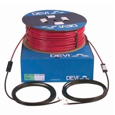 Теплый пол Devi DSIG-20 2415 / 2640 ВтНагревательные кабели<br>Предлагаем вниманию пользователей качественную модель греющего кабеля от компании Devi &amp;ndash; DSIG-20, мощностью 2,64 кВт (при работе на максимальной производительности). Модель можно использовать для укладки системы обогрева пола, а также при возведении ступеней снаружи зданий для предотвращения замерзания и скапливания снега. Длина рассматриваемой модели 131 метр.&amp;nbsp; &amp;nbsp;<br>Особенности рассматриваемой модели греющего кабеля от компании Devi:<br><br>Одножильный экранированный кабель высокого качества.<br>Применяется в тонких бетонных стяжках или в трубах с водой (для антизамерзания).<br>Дополнительные возможности применения: обогрев грунта, системы снеготаяния.<br>Пластик без содержания свинца.<br>Функция самозатухания.<br>Высокая экологическая безопасность.<br>Максимальная экономия электрической энергии.<br>Идеальное решение, как&amp;nbsp; для дома, так и для помещений другого типа.<br>Экран: медный, 16/32*0,3 мм.<br>Внутренняя изоляция PEX.<br>Наружная изоляция PVC.<br>Максимальная температура 65&amp;deg;C.<br>Гарантия качества и длительного срока эксплуатации.<br>Сертификаты: УкрСЕПРО, ГОСТ Р, IEC800,&amp;nbsp; DEMKO, CE&amp;nbsp;&amp;nbsp;&amp;nbsp;&amp;nbsp;&amp;nbsp;&amp;nbsp;&amp;nbsp;&amp;nbsp;&amp;nbsp;&amp;nbsp;&amp;nbsp;&amp;nbsp;&amp;nbsp; .<br><br>Серия нагревательных кабелей для систем отопления &amp;laquo;Теплый пол&amp;raquo; &amp;ndash; &amp;laquo;Deviflex&amp;trade;&amp;raquo; от известной качественным и долговечным оборудованием датской компании-производителя Devi представлена широким выбором моделей. Все изделия представляют собой двухжильный греющий элемент пониженной мощности, оснащенный одним холодным концом. Модели отличаются невероятно низким потреблением электричества, но при этом характеризуются высокой производительностью и стабильностью в работе. Благодаря высокому качеству и современным материалам производства, кабели Deviflex&amp;trade; могут быть исполь