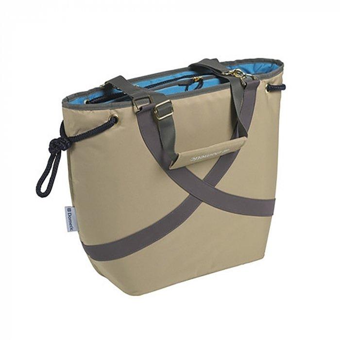 Сумка-холодильник Dometic FreshWay FW24Сумки-холодильники<br>Изотермический контейнер Dometic (Дометик) FreshWay FW24 разработан специально для тех, кто любит путешествовать. Данный аксессуар   это сумка эргономичной конструкции с удобными ручками для переноски. Полезный объем внутренней камеры составляет двенадцать литров, и легко вмещает не только продукты, но и двухлитровый бутылки с напитками.<br>Особенности и преимущества представленной модели изотермической сумки от компании WAECO:<br><br>Для отдыха на природе и прогулок.<br>Пространство для вертикально стоящих 2-литровых бутылок.<br>Корпус из прочной и легкой ткани.<br>Вместимость   12 литров.<br>Качественная термоизоляция.<br>Вмещает вертикально двухлитровые бутылки.<br>Вес пустой сумки   650 грамм.<br><br>Бренд Dometic разработал семейство специальных термоконтейнеров - изотермические сумки, которые работают по принципу термоса. Такие изделия прекрасно сохраняют температуру на протяжении длительного времени, поэтому станут отличными спутниками на пикниках или в долгой дороге. Все модели отличаются надежностью и высоким качеством материалов изготовления. Конструкция сумок разработана лучшими специалистами, что значительно повышает комфорт их использования.<br><br>Страна: Германия<br>Объем, л: 12<br>Мощность, Вт: None<br>Питание, В: Нет<br>Темп. max, С: None<br>Темп. min, С: None<br>Габариты ВxШxД, мм: 350x440x150<br>Вес, кг: 1<br>Гарантия: 1 год<br>Кабель питания: Нет<br>Назначение: Сумкахолодильник