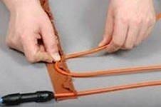 Теплый пол Ebeco CK18  2650Нагревательные кабели<br>Используя двухжильный нагревательный кабель EBECO-CK18  2650 можно создать весьма эффективную систему обогрева помещения. Нагрев пола сделает климат в комнате уютным, приятным и комфортным. Встроенное в кабель заземление позволяет устанавливать его во влажных помещениях, гарантируя высокую степень безопасности.<br>Обустраивая в доме систему подогрева пола, заранее учтите места, где будет располагаться мебель, чтобы не накрывать зоны подогрева мебелью.<br>Технические характеристики:<br><br>Двухжильная конструкция кабеля<br>Каждая нагревательная жила имеет диаметр 4 мм<br>Качественная изоляция   можно использовать в сухих и во влажных помещениях<br>Металлическая оплетка создает экран   систему не нужно заземлять<br>Неограниченная сфера применения<br>Равномерный обогрев всей площади помещения<br>Устанавливается в цементной стяжке или слое плиточного клея<br>Простота монтажа<br>Безопасен для экологии и здоровья<br>Качество, соответствующее международным стандартам<br>15 лет полной гарантии<br><br>Кабель EBECO-CK18 имеет две греющие жилы, что делает обогрев помещения гораздо эффективнее. Экранирование греющей жилы выполняет функцию заземления электрической системы теплого пола и позволяет использовать его даже во влажном помещении, таком, как ванная комната, гараж, балкон.<br>Теплые полы EBECO Cable Kit имеют прочную изоляцию, позволяющую их использовать как в сухих, так и во влажных помещениях. Покрытие пола, в котором установлена система подогрева, может быть любое: паркет, ламинат, линолеум или любое другое   нагрев производится мягко и на состояние напольного покрытия вредного воздействия не оказывает.<br>Компания EBECO является одним из лидирующих производителей систем  теплого пола  стран Скандинавии. Благодаря высокому качеству материала изготовления частей для изготовления продукции, а также стабильной работе и длительному периоду бесперебойной службы систем, изделия шведской компании EBECO пользуются огромным с