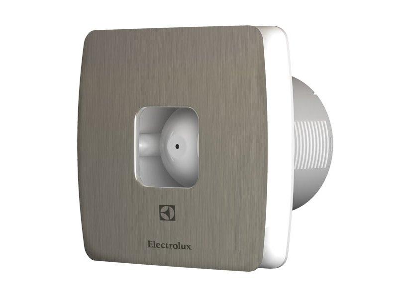 Вентилятор Electrolux EAF-120TВытяжки для ванной<br>Корпус вытяжки для ванной комнаты Electrolux EAF-120T изготавливается в специальном брызгозащитном исполнении IPX4, что расширяет диапазон обслуживающих помещений, даже с максимально высоким уровнем относительной влажности. Три цветовые гаммы лицевых панелей позволяют быстро обновить внешний дизайн прибора, и что немало важно без непосредственного демонтажа модели.<br>Сменные панели (опционально): стальной, голубой, красный.<br>Особенности и преимущества бытовых вытяжных вентиляторов серии MAGIC EAF от компании Electrolux:<br><br>Эксклюзивный внешний дизайн передней пластиковой панели.<br>Регулируемый таймер задержки отключения от 1 до 20 минут<br>Брызгозащитное исполнение.<br>Корректирование диапазона осуществляется от 40% до 100%.<br>Синий индикатор функционирования и отключения.<br>Малошумный электромотор с крыльчаткой.<br>Высокоэффективная и бесшумная полноценная работа.<br>Универсальная конструкция и установка.<br>Предусмотрен обратный клапан.<br>Гарантированная электробезопасность в эксплуатации.<br>Экономный расход энергии.<br>Легкосъемные передние панели разных цветов: красная, голубая, нержавеющая сталь.<br>Процесс монтажа максимально универсален (на стене, в отверстии вентиляционной шахты, в подвесном потолке).<br>Быстрая и легкая очистка от пыли.<br><br>Компания Electrolux производит вытяжки для ванной комнаты серии MAGIC EAF со специально разработанным дизайном, который выгодно выделяет оборудование среди своих конкурентов, как с технической стороны, так и внешне. Исходный материал высокого качества, а сборка имеет максимальную точность стыков, что полностью исключает вариант вибрации и образования высокого уровня шума в процессе эксплуатации. Продуманная конструкция позволяет произвести быструю очистку прибора от пыли и грязи. Отличным дизайнерским решение являются цветные легкосъемные передние панели, которые предают определенной изысканности всему интерьеру обслуживающего помещения. Плавные формы и л