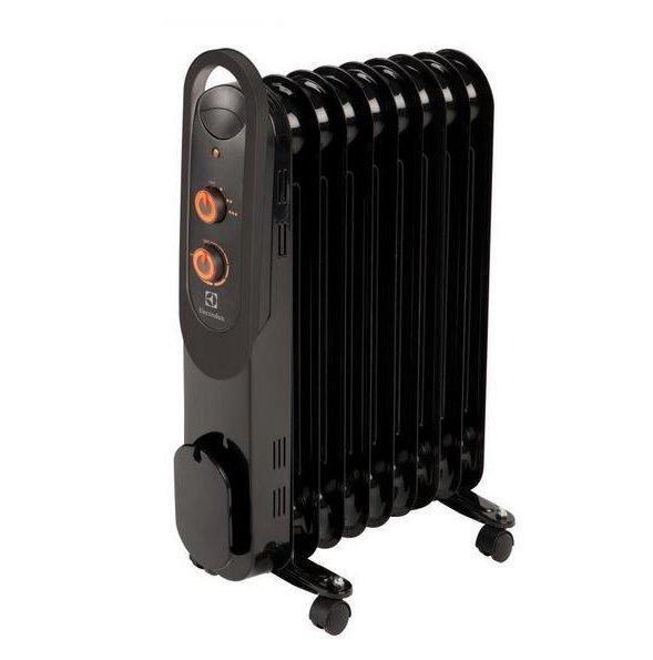Масляный радиатор Electrolux EOH/M-4209Масляные радиаторы<br>Масляный радиатор ElectroLux (Электролюкс) EOH/M-4209 является обладателем ультракомпактного корпуса, который на 15% меньше, чем у аналогов. Благодаря этому агрегат сможет все так же качественно обогреть помещение, но займет намного меньше полезного пространства. Компания-производитель позаботилась и о мобильности прибора, оборудовав его конструкцию удобной ручкой и колесиками.<br><br><br><br><br>Особенности и преимущества масляных радиаторов Electrolux серии EOH/M &amp;ndash; 4:<br><br>Три режима обогрева<br>Высоконадежный механический термостат<br>Простое эргономичное управление<br>Место для хранения шнура питания<br>Ручка для удобства передвижения<br>Ролики для перемещения<br>Уникальный дизайн<br>Высокая экологичность &amp;ndash; в качестве наполнителя используется экологичное масло HD-300, проходящее многоступенчатую систему очистки<br>Защита от опрокидывания &amp;ndash; встроенный датчик отключит масляный радиатор при отклонении включенного прибора от рабочего состояния или его опрокидывании<br>Защита от перегрева &amp;ndash; встроенный датчик отключит прибор в случае перегрева<br><br><br><br>&amp;nbsp;<br><br><br><br>Режимы работы:<br><br>Мощность обогрева 800Вт<br>Мощность обогрева 1200Вт<br>Мощность обогрева 2000Вт<br><br><br><br><br>Серия EOH/M &amp;ndash; 4 &amp;ndash; это технологичные современные маслонаполненные радиаторы от шведского бренда Electrolux. Одна из отличительных черт, которая выгодно выделяет модели среди аналогов, &amp;ndash; премиум-дизайн в великолепной гамме глубокого черного цвета с тонкой конструкцией корпуса Ultra Slim. Семейство представлено тремя типоразмерами: радиаторами с семью, пятью и одиннадцатью секциями &amp;ndash; для помещений площадью до двадцати пяти квадратных метров. Приобретая в интернет-магазине mircli.ru масляные радиаторы Electrolux, вы становитесь обладателем надежных и эффективных приборов, с официальной гарантией и инструкцией на русском языке.<br><br