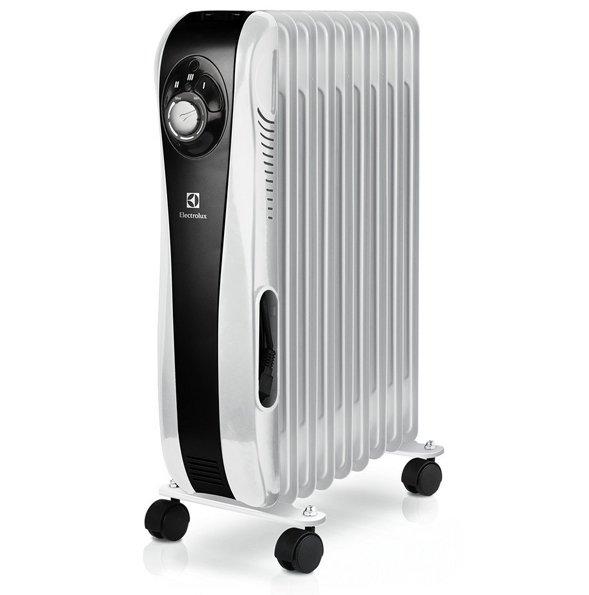 Масляный радиатор Electrolux EOH/M-52092.0 кВт<br>Одна из отличительных черт маслонаполненного радиатора ElectroLux (Электролюкс) EOH/M-5209   это уникальная передовая разработка  MAX time heat , обеспечивающая эффективную и безопасную непрерывную работу прибора в течение 45 дней! Такое преимущество выгодно выделяет радиатор на фоне конкурирующих моделей. А в сочетании с его практичным дизайном, несколькими ступенями мощности и встроенной защитой делает представленную модель одной из лучших в сегменте.<br><br><br><br><br>Особенности и преимущества масляных радиаторов Electrolux серии SPORT LINE (EOH/M   5):<br><br>Три режима обогрева<br>Высоконадежный механический термостат<br>Простое эргономичное управление с интуитивно понятным интерфейсом<br>Эргономичная ручка для удобства передвижения<br>Ролики для перемещения<br>Инновационный Hi-Tech дизайн<br>Уникальная удобная скрытая система хранения шнура<br>Надежная защита от опрокидывания   встроенный датчик отключит масляный радиатор при его отклонении от рабочего состояния или опрокидывании<br>Надежная защита от перегрева   встроенный датчик отключит прибор в случае перегрева<br>Технология  Free Choice  - Увеличенная длина шнура до 1,6 м<br><br><br><br> <br><br><br><br>Режимы работы:<br><br>Мощность обогрева 800Вт<br>Мощность обогрева 1200Вт<br>Мощность обогрева 2000Вт<br><br><br><br><br>SPORT LINE   это новинка от шведской торговой марки Electrolux. Эти масляные радиаторы выдержаны в стиле хай-тек   лаконичном, современном, эргономичном и даже несколько элегантном, что обязательно придется по вкусу целеустремленным людям, которые ценят и функциональность, и комфорт. Модельный ряд представлен четырьмя типоразмерами: радиаторами с пятью, семью, девятью и одиннадцатью секциями, с мощностью обогрева от 500 Вт до 2,2 кВт. Приобретая масляные радиаторы Electrolux, вы становитесь обладателем надежных и эффективных приборов, с официальной гарантией и инструкцией на русском языке.<br><br>Страна: Швеция<br>Мощность, Вт: 2000<br>