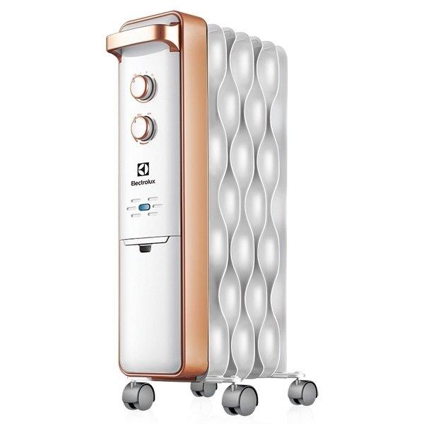 Масляный радиатор Electrolux EOH/M-92092.0 кВт<br>Модель Electrolux EOH/M-9209 представляет собой элегантный классический масляной радиатор с новейшим европейским дизайном и усовершенствованной комплектацией. Применение современных технологичных разработок позволило сделать рассматриваемый агрегат максимально защищенным от воздействий окружающей среды и не подверженным преждевременному износу.<br>Особенности и преимущества масляного радиатора Electrolux серии Wave:<br><br>Технология  Speed Heating <br>Технология Low Carbon Steel<br>Уникальная система хранения шнура<br>Защита от перегрева   встроенный датчик отключит прибор в случае перегрева<br>Два режима обогрева<br>Высоконадежный механический термостат<br>Простое эргономичное управление<br>Место для хранения шнура питания<br>Ручка для удобства передвижения<br>Ролики для перемещения<br><br>Современные масляные радиаторы Electrolux серии Wave   это первоклассные, высокоэффективные и изящные модели отопительного оборудования, созданные для применения в жилых и административных помещениях. Усовершенствованная комплектация обогревателей обеспечивает их несравненную надежность и отличные показатели производительности в любых условиях. <br> <br><br>Страна: Швеция<br>Мощность, Вт: 2000/1200/800<br>Площадь, м?: 20<br>Колво секций: 9<br>Напряжение, В: 220 В<br>Вес, кг: 10.2<br>Гарантия: 1 год