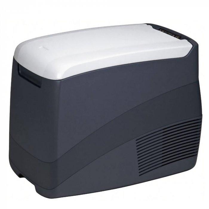 Автомобильный холодильник Ezetil EZC 45 12/24/220V41-140 литров<br>Контейнер холодильный - морозильный компрессорного типа Ezetil EZC 45 12/24/220V можно легко подключать как к электросети 220V, так и к любому источнику питания автомобиля 12/24V (например, к прикуривателю). Очень удобен и незаменим в любых поездках. Объем контейнера45 л. Выполнен из экологически чистого пластики и легко моется. В крышке имеется дисплей с индикацией температуры и параметров работы. Поддерживает режим охлаждения и заморозки. Низкий уровень шума при работе.<br>Особенности и преимущества контейнеров холодильных - морозильных компрессорного типа от компании Ezetil представленной серии:<br><br>Интеллектуальная система управления питанием выберет нужный режим охлаждения и переведет автохолодильник в режим пониженного энергопотребления.<br>Кнопка  Boost  отключает автоматическую систему энергосбережения и обеспечивает увеличение мощности в системе охлаждения для достижения более высоких показателей внутри камеры холодильника за короткое время. Система работает только от сети 220/230В. При выключении кнопки  Boost  автоматически включается система энергосбережения, предусмотренная конкретной моделью.<br> Digital temperature display  - цифровой наружный дисплей, информирующий о температуре внутри камеры охлаждения.<br>Внутренняя камера изготовлена из экологически чистого пластика, допускается к контакту с пищевыми продуктами и соответствует экологическим стандартам и нормативам EC.<br>Конструкция крышки и форм-фактор внутренней части корпуса данной модели позволяют разместить в вертикальном положении внутри камеры бутылки объемом до1 литр.<br><br>Общее устройство портативной морозильной камеры:<br><br>Многофункциональная панель управления с дисплеем.<br>Специальный компрессор Danfoss (безфреоновый).<br>Термоизоляционный слой.<br>Внутренняя камера из экологически чистого пластика с диодной подсветкой.<br>Внешний корпус из ударопрочного пластика.<br><br>Немецкая торговая марка Ezetil разработал
