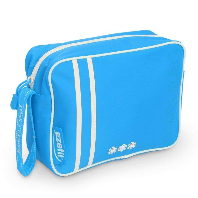 Сумка-холодильник Ezetil KC Holiday 2,5 Blue 2,5 литраСумки-холодильники<br>Изометрическая сумка Ezetil KC Holiday 2,5 Blue 2,5 литра имеет качественное исполнение и привлекательное дизайнерское решение, сочетающее в себе спортивный стиль, яркость и практичность   это изделие позволит вам сохранить качество продуктов питания, благодаря 100% герметичности и эффективной теплоизоляции. Подойдет для ежедневного использования   во время путешествия, на пикнике и в городе.<br>Особенности и преимущества сумок-термосов от компании Ezetil:<br><br>Назначение: охлаждение пищевых продуктов<br>Основной изоляционный слой толщиной 5 миллиметров, внутренний слои обеспечивает удержание температуры внутри термосумки, а внешняя ткань способствует снижению воздействия на содержимое сумки температуры окружающей среды.<br> Изделие произведено с использованием экологически безопасных и гигиеничных материалов, как внутри, так и снаружи, не содержащих в себе поливинилхлорид.<br> Внутренняя камера изготовлена из экологически чистых материалов, допускается к контакту с пищевыми продуктами и соответствует экологическим стандартам и нормативам EC.<br> 100% герметичность изотермической сумки обеспечивается современной технологией горячей спайки внутренних швов.<br> Многослойная изоляция обеспечивает надежное удержание температуры помещенных в  сумку продуктов при ее максимальном заполнении в течение нескольких часов.<br>Соответствует стандартам и нормативам ЕС.              <br><br>Продукция компании Ezetil   это достаточно востребованные, комфортные в использовании и очень эргономичные изделия, предназначенные для сохранения продуктов питания и напитков во время дальних поездок на автотранспорте или в других бытовых ситуациях. Благодаря достаточному охлаждению такое оборудование позволит увеличить сроки хранения еды и различных жидкостей.<br><br>Страна: Германия<br>Объем, л: 2,5<br>Мощность, Вт: None<br>Питание, В: Нет<br>Темп. max, С: None<br>Темп. min, С: None<br>Габариты ВxШxД, мм: None<br>В