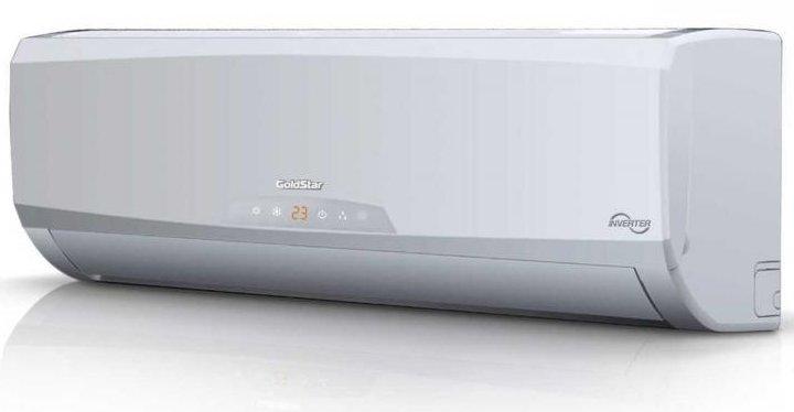 Настенный кондиционер GoldStar GSWH18-DV1B55 м? - 5.5 кВт<br>Инверторная сплит-система GoldStar (Голдстар) GSWH18-DV1B будет отличным климатическим помощником для вашего дома, городской квартиры или даже офиса! В обязанности данного устройства входит не только охлаждение и обогрев воздуха в помещении, но и поддержание температуры в выбранном пользователем режиме. Устройство имеет режим самоочистки от накопившейся пыли и других загрязнений.<br>Особенности рассматриваемой модели настенного кондиционера серии GoldStar &amp;nbsp;&amp;laquo;Grand Plus&amp;raquo;:<br><br>Новинка конца 2015 года!<br>Компактный дизайн.<br>Экономичный DC-инверторный компрессор.<br>Система очистки &amp;laquo;холодная плазма&amp;raquo;.<br>Высокая производительность.<br>Функция &amp;laquo;I feel&amp;raquo;&amp;nbsp;.<br>Широкий диапазон рабочих температур.<br>Повышенная эффективность охлаждения и обогрева.<br>Эффективное осушение воздуха.<br>Функция автоматической разморозки.<br>Работа при низкой наружной температуре воздуха.<br>Передовая технология снижения шума.<br>Режим комфортного сна.<br>Функция &amp;laquo;Авторестарт&amp;raquo;.<br>Работа по таймеру.<br>Объемный воздушный поток.<br>Функция самоочистки.<br>Теплый пуск.<br>Озонобезопасный хладагент.<br>Энергоэффективность класса &amp;laquo;А&amp;raquo;.<br><br>GoldStar &amp;mdash; это международная компания, специализирующаяся на климатической технике, которая готова представить современному потребителю инверторную серию настенных сплит-систем Grand Plus. Данные устройства способны поразить своей высокой энергоэффективностью, которая значительно превосходит требования класса &amp;laquo;A&amp;raquo;. Помимо охлаждения и обогрева, данные модели очищают воздух от пыли и аллергенов.<br><br>Горизонтальная регулировка потока: Нет<br>Страна бренда: Корея<br>Уровень шума, дБа: 56<br>Габариты ВхШхГ, см: 70х95,5х39,6<br>Производитель: Корея<br>Вес, кг: 52<br>Компрессор: Инвертор<br>Площадь, м?: 50<br>Режим работы: холод/тепло<br>Уровень шума, дБа: 4