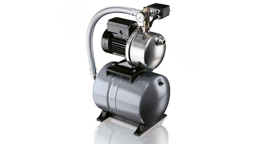 Насосная станция Grundfos JP6 BOOSTER 1X220V, EXT.TREAD. 24LПоверхностные станции<br>Grundfos (Грундфос) JP6 BOOSTER 1X220V, EXT.TREAD. 24L &amp;ndash; передовая установка водоснабжения, в основе которой высокомощный бесшумный самовсасывающий насос&amp;nbsp; JP. Диафрагменный бак на 24 литра, также входящий в комплектацию установки, предназначен для существенного сокращения числа включения насоса, а высокий класс защиты, присвоенный системе, гарантирует долгую и безопасную эксплуатацию.<br>Особенности и преимущества поверхностных насосов Grundfos представленной серии:<br><br>Самовсасывающий.<br>Подъем с глубины до 8 метров благодаря эжектору.<br>Корпус, вал, рабочее колесо и соединительные штуцеры насоса изготовлены из нержавеющей стали.<br>Стабильность работы даже при наличии воздуха в жидкости.<br>Прочная конструкция, обеспечивающая возможность стационарной установки насоса.<br>Данный насос напрямую соединяется со специальным асинхронным двигателем Grundfos с воздушным вентиляционным охлаждением, что обеспечивает производительность насоса.<br>Однофазные двигатели имеют встроенный термовыключатель и не требуют дополнительной защиты.<br>Трехфазные двигатели требуют внешней защиты двигателя.<br>Области применения:<br>на производственных предприятиях: для подачи воды в системы оборотного водоснабжения и пожаротушения из накопительных водоемов;<br>в сельском хозяйстве: для организации систем полива и ирригации;<br>в строительстве: для подачи технической воды для приготовления растворов;<br>в сфере ЖКХ &amp;mdash; для осушения затопленных помещений;<br>в быту: для добычи воды из скважин и полива приусадебного участка.<br><br>Поверхностные насосы Grundfos представляют собой технологичные, практичные и безопасные приборы, которые предназначены для перекачивания чистой или же слегка загрязненной воды. Оборудование отличается широким спектром областей применения, благодаря чему насосы будут полезны как в бытовых, так и в промышленных целях. Такие агрегаты не погружаются в в