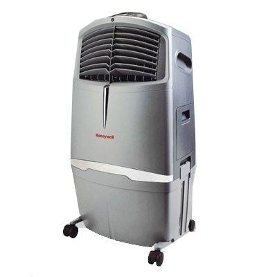 Мобильный кондиционер Honeywell CHL30XC2.6 кВт<br>Мобильный кондиционер Honeywell CHL30XC&amp;nbsp;эффективно осуществляет генерацию отрицательно заряженных ионов, которые так необходимы для благоприятной жизнедеятельности человека. Предусмотрена трехступенчатая очистка воздуха, которая включает в себя сотовый, углеродистый, целюлозно-бумажный фильтр. Звуковое оповещение о низком уровне воды, и автоматически срабатывает отключение питания, что уменьшает риск поломок и перегрева.&amp;nbsp;<br><br>Преимущества и особенности мобильного кондиционера:<br><br>Предусмотренная скорость: высокая, средняя, низкая, ночной режим<br>В комплекте предусмотрен пульт дистанционного управления<br>Электронная панель регулирования<br>Имеется встроенный таймер отключения на 1 - 8 ч<br>Вращающиеся жалюзи<br>Корректировка направления подачи воздуха<br>Генерация отрицательно заряженных ионов<br>Встроен углеродистый фильтр<br>Два фильтра для очистки воздуха<br>Сотовый фильтр рассчитан на четыре года беспрерывной работы<br>Привлекательный внешний вид<br>Инновационный жидкокристаллический пульт управления<br>Высокоэффективная защитная система от перепада напряжения и перегрева<br><br>&amp;nbsp;<br>Превосходный переносной кондиционер, который имеет ряд преимуществ по сравнению со своими аналогами. Полностью удобное и быстрое дистанционное управление всеми функциональными возможностями с помощью многофункционального пульта управления. Удобная электронная панель управления. Главным преимуществом является специально спроектированная конструкция жалюзи, которые способствуют правильному и равномерному распространению воздушного потока. Не зависимо от положения прибора можно осуществлять регулирование направления воздуха.&amp;nbsp; Портативное оборудование имеет элегантный и представительский внешний вид, что значительно расширяет диапазон применения. Мобильный кондиционер можно установить, как в доме, так и в рабочем офисе.<br><br>Страна: США<br>Охлаждение,кВт: 2,25<br>Обогрев, кВт: 2,25<br>Площадь