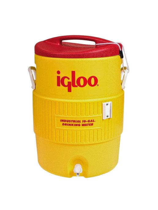 Изотермический контейнер Igloo 10 Gallon 400 Series Beverage CoolerСумки-холодильники<br>Изотермический пластиковый контейнер Igloo 10 Gallon 400 Series Beverage Cooler прекрасно подойдет для транспортировки и кратковременного хранения жидкости, а так же медицинских препаратов или других предметов, не терпящих жары в период поездки. Вместительность контейнера составляет 37, 5 л. Крепление крышки надежное и, в тоже время, легко открываемое одной рукой. Обеспечен легкий доступ к содержимому. Внизу корпуса расположена пробка для слива конденсата. Контейнер выполнен в стильном оранжевом цвете, который в то же время легко заметен в любой среде при возникновении экстренных ситуаций.<br>Основные преимущества приобретения изотермической емкости от торговой марки Igloo:<br><br>Современный привлекательный дизайн.<br>Удобные для транспортировки размеры.<br>Удобные ручки, упрощающие перенос контейнеров.<br>Есть модели с защелками на крышках и без.<br>Резьбовая сливная пробка для отвода конденсата.<br>Двойная пенная UltraTherm   изоляция корпуса и крышки позволяет поддерживать хранить лед  до 5 дней при температуре окружающей среды не более + 30  .<br>Разнообразные цветовые решения.<br>Идеальны для любителей активного отдыха, рыбалки, охоты и путешествий.<br><br>Изотермическая продукция в настоящее время набирает обороты популярности. Одним из ведущих производителей в данной сфере является американская компания Igloo, которая достаточно давно уже зарекомендовала себя, как изготовителя только качественной, практичной, долговечной и полезной продукции. Ассортимент невероятно широк и разнообразен. Здесь есть и емкости для напитков, и сумки с изотермическими свойствами и различного типа и конфигурации термо-контейнеры.  <br><br>Страна: США<br>Объем, л: 38,0<br>Мощность, Вт: None<br>Питание, В: Нет<br>Темп. max, С: None<br>Темп. min, С: None<br>Габариты ВxШxД, мм: 430x400x590<br>Вес, кг: 6<br>Гарантия: 1 год<br>Кабель питания: Нет<br>Назначение: Изотермический контейнер