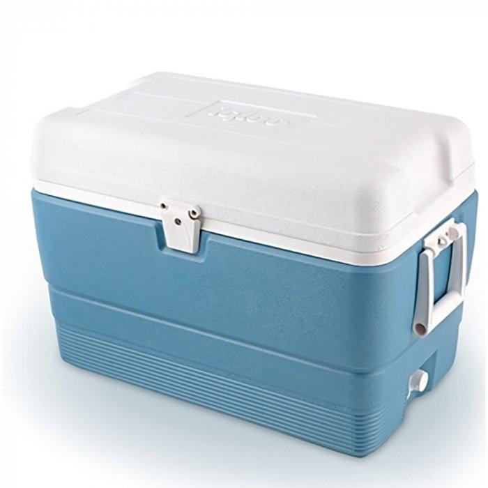 Изотермический контейнер Igloo MaxCold 50свыше 40 литров<br>Сумка-контейнер Igloo MaxCold 50 предназначена для кратковременного хранения продуктов и напитков, позволяя вам наслаждаться комфортным отдыхом. Термоконтейнер удобен, не требует подключения к электричеству. Выполнен из высококачественного экологически чистого пластика. Легко моется. Усовершенствованная геометрия корпуса и крышки позволяет дольше сохранить температуру внутри контейнера. Сбоку имеются ручки для удобства транспортировки. Крышка имеет надежную фиксацию для большей герметичности.<br>Основные преимущества приобретения изотермического контейнера от торговой марки Igloo:<br><br>Современный привлекательный дизайн.<br>Удобные для транспортировки размеры.<br>Удобные ручки, упрощающие перенос контейнеров.<br>Есть модели с защелками на крышках и без.<br>Резьбовая сливная пробка для отвода конденсата.<br>Двойная пенная UltraTherm   изоляция корпуса и крышки позволяет поддерживать хранить лед  до 5 дней при температуре окружающей среды не более + 30  .<br>Разнообразные цветовые решения.<br>Идеален для любителей активного отдыха, рыбалки, охоты и путешествий.<br><br>MAXCOLD   это серия современных изотермических контейнеров, которые предназначены для хранения холодных продуктов. Материалы изготовления и габаритные размеры позволяют брать модели семейства на рыболовную лодку, на яхту или просто на какие-либо мероприятия на открытом воздухе. Для максимально длительного использование производитель рекомендует наполнить контейнер льдом, который не растает там около 5 дней благодаря качественному слою надежной изоляции. <br><br>Страна: США<br>Объем, л: 47,0<br>Мощность, Вт: Нет<br>Питание, В: Нет<br>Max температура, C: Нет<br>Min температура, C: Нет<br>Функция подогрева: Нет<br>Дельта t, C: Нет<br>Кабель питания: Нет<br>Назначение: Изотермический контейнер<br>ГабаритыВШД,мм: 387x441x648<br>Вес, кг: 5<br>Гарантия: 1 год