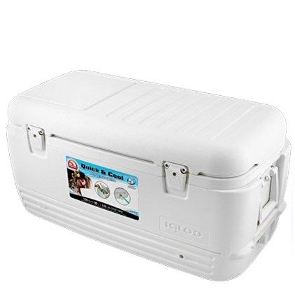Изотермический контейнер Igloo QUICK&amp;COOL 150свыше 40 литров<br>Пластиковый термоконтейнер Igloo QUICK COOL 150 разработан для обеспечения максимального комфорта и качества. Надежная термоизоляция, как корпуса, так и крышки. Упрочненная фиксация крышки и отверстие для быстрого доступа к содержимому без лишней потери холода. Удобные ручки по бокам для обеспечения удобства транспортировки. Контейнеры применимы как в бытовых, так и в промышленных или медицинских целях. Корпус выполнен из экологически чистого пластика, легко моющегося водой.<br>Основные преимущества приобретения изотермического контейнера от торговой марки Igloo:<br><br>Современный привлекательный дизайн.<br>Удобные для транспортировки размеры.<br>Легкость и прочность конструкции.<br>Оснащен двойными защелками для безопасного закрытия крышки.<br>Резьбовая сливная пробка для отвода конденсата.<br>Люк в верхней крышке упрощает доступ к содержимому контейнера.<br>Двойная UltraTherm   пенная изоляция корпуса и крышки позволяет хранить лед  7 дней при 30  С<br>Невероятно просты в уходе и очистке.<br>Идеальны для любителей активного отдыха, рыбалки, охоты и путешествий.<br><br>QUICK   COOL   это новая серия изотермических контейнеров от торговой марки Igloo, которые разработаны для использования совместно со льдом или аккумуляторами холода. Все контейнеры серии достаточно вместительны, откидные крышки конструкций оснащены надёжными застёжками. Кроме того, на крышке предусмотрен небольшой люк, который значительно упрощает доступ к внутреннему содержимому контейнера. <br><br>Страна: США<br>Объем, л: 142,0<br>Мощность, Вт: Нет<br>Питание, В: Нет<br>Max температура, C: Нет<br>Min температура, C: Нет<br>Функция подогрева: Нет<br>Дельта t, C: Нет<br>Кабель питания: Нет<br>Назначение: Изотермический контейнер<br>ГабаритыВШД,мм: 510x475x1057<br>Вес, кг: 11<br>Гарантия: 1 год
