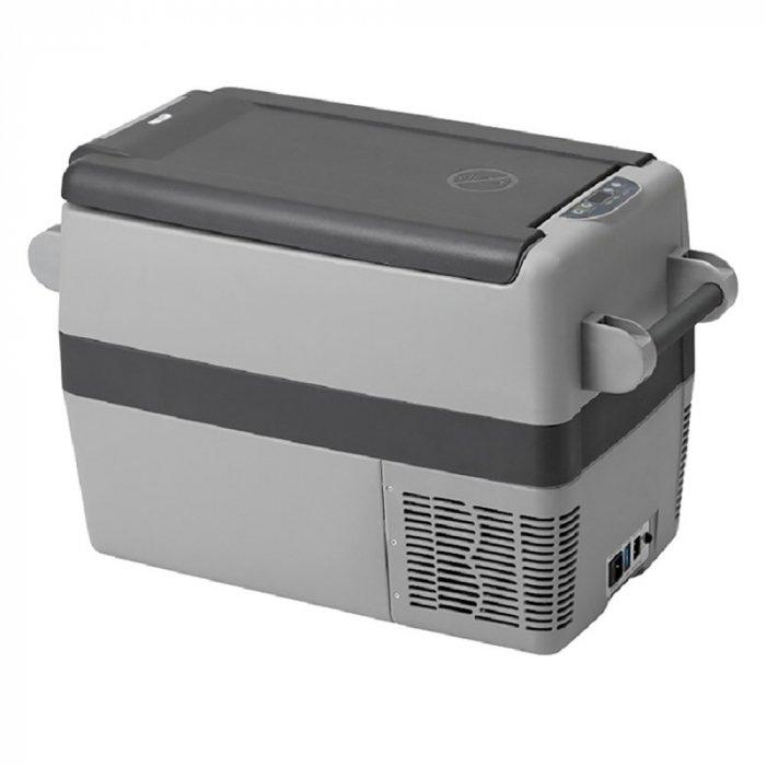 Aвтохолодильник компрессорный Indel B TB4131-40 литров<br>Aвтохолодильник компрессорный на 12 220 вольт Indel B (Индел Б) TB41   это современный автохолодильник с умным электронным управлением, стильным дизайном и передовым компрессором. Удобная форма холодильника позволяет размещать в нем двухлитровые бутылки в вертикальном положении, общий объем составляет 40л. Такое устройство способно экономично охлаждать или поддерживать температуру транспортируемых продуктов.<br><br>Страна: Италия<br>Объем, л: 37<br>Мощность, Вт: 45<br>Питание, В: 12/24<br>Max температура, C:: +5<br>Min темп., C: 18<br>Кабель питания: Есть<br>Назначение: Легковой автомобиль<br>Габариты ВxШxД, мм: 445x350x700<br>Вес, кг: 17<br>Гарантия: 3 года