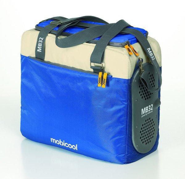 Сумка-холодильник Mobicool MB32 Power DCСумки-холодильники<br>Mobicool (Мобикул) MB32 Power DC представляет собой изотермический контейнер, который может использоваться и как сумка-термос, и как автомобильный холодильник. Данный агрегат вы можете взять с собой в поездку, подключив его с помощью адаптера к прикуривателю. Также такая сумка станет прекрасным спутником на пикнике, сохранив напитки прохладными, а продукты свежими. Как правило, время сохранения холода или тепла такими контейнерами составляет около трех-пяти часов, однако вы можете продлить его, приобретя специальные аккумуляторы температуры.<br>Особенности и преимущества представленной модели сумки-холодильника от компании Mobicool:<br><br>Сделано в виде удобной сумки.<br>Прочный материал изготовления.<br>Внутреннее термоотталкивающее покрытие.<br>Большая вместительность.<br>Сохранения и холода, и тепла.<br>Питание от прикуривателя.<br>Удобно переносить и хранить.<br><br>Сумки-холодильники представляют собой удобные и компактные изотермические контейнеры, которые работают по принципу термоса. Такая сумка может сохранять не только холод, но и тепло. В интернет-магазине MirCli в широком ассортименте представлены сумки-холодильники от торговой марки Mobicool - известного немецкого бренда, продукция которого популярна как на иностранном, так и на российском рынке. Компания-производитель использует для своих контейнеров исключительно качественные материалы, что обуславливает их высокую износоустойчивость.<br><br>Страна: Германия<br>Объем, л: 32<br>Мощность, Вт: None<br>Питание, В: 12<br>Темп. max, С: None<br>Темп. min, С: None<br>Габариты ВxШxД, мм: 400x430х230<br>Вес, кг: 2<br>Гарантия: 1 год<br>Кабель питания: Есть<br>Назначение: Сумкахолодильник