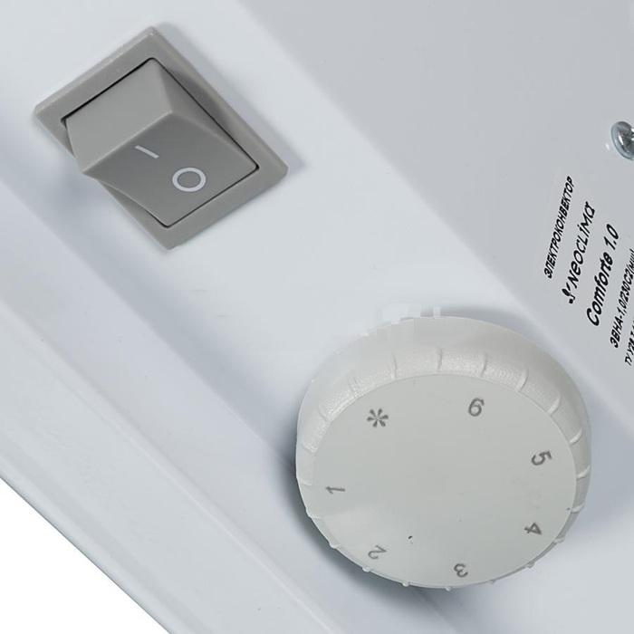 Конвектор электрический Neoclima Comforte 1,010 м? - 1.0 кВт<br>Электрический конвектор Comforte 1,0   простой прибор для обогрева помещения площадью до 10 кв.м. с ленточным нагревательным элементом. Серия Comforte от NEOCLIMA   это конвектора универсальной установки   возможен монтаж на стену, в комплекте предусмотрены ножки, а в качестве опции предусмотрен заказ колесиков.<br> Преимущества электрических конвекторов серии Comforte от NEOCLIMA:<br><br>Универсальная установка   настенный монтаж, установка на полу;<br>В комплекте   крепления на стену и ножки для установки на пол;<br>Опция   колесики;<br>Нагревательный элемент   ленточный;<br>Две ступени мощности;<br>Высоконадежный механический термостат;<br>Автоматическая регулировка температуры;<br>Защита от поражения током, от перегрева от замерзания, от попадания внутрь прибора посторонних предметов.<br>Бесшумная работа, быстрый нагрев, высокая эффективность, не высушивает воздух, не накапливает пыль, безопасная конструкция;<br>Удобный модельный ряд   мощность от 500 до 2500 Вт;<br>Производство Украина.<br><br>                                     <br> Сердцем электрического конвектора является его нагревательный элемент   в случае с серией конвекторов Comforte   это нагревательный элемент ленточного типа СТИЧ. Он представляет собой тонкую пластину из диэлектрического материала, которая прошита хром-никилевой нитью. Отличительными особенностями работы ленточного нагревательного элемента являются мгновенный выход на рабочий режим, поддержание температуры в помещении с высокой точностью, а также безопасность и увеличенный срок службы. Все это делает конвектора с ленточным нагревательным элементом экономичными, позволяя использовать приборы данного типа на больших объектах, где вопрос экономии особенно важен.    <br><br>Страна: Греция<br>Производитель: Россия<br>Mощность, Вт: 1000<br>Площадь, м?: 10<br>Класс защиты: IP20<br>Настенный монтаж: Да<br>Термостат: Механический<br>Тип установки: Настенная<br>Длина конвектора: