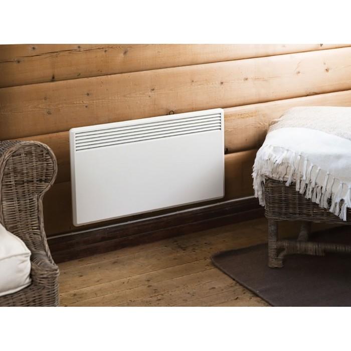 Конвектор электрический Nobo NFC4S 15 (С термостатом)15 м? - 1.5 кВт<br>Конвекторный обогреватель Nobo (Нобо) NFC4S 15 (С термостатом) гарантирует быстрый обогрев и равномерное распределение воздуха в пространстве, что исключает образование ниш холодной температуры. Нагревательный элемент, предусмотренный внутри конструкции, не сжигает кислород, что является прямой заботой о самочувствии человека. Опционально доступны эргономичные ножки с колесиками.   <br>Главные особенности представленной модели электрического конвектора от производителя Nobo:<br><br>Стильный внешний облик.<br>Удобная конструкция.<br>Незатруднительный монтаж.<br>Удобная и понятная механическая система управления.<br>Электронный термостат и точное поддержание температуры.<br>Соответствие требованиям благодаря технологии  ecoDesign .<br>Ресурс работы   30 лет.<br>Обогреватель соответствует классу защиты IP 24.<br>Возможно подключение к Orion 700 или Nobo Energy Control.<br>Конвектор может работать автономно или в единой цепи с другими обогревателями.<br>Кронштейны для крепления к стене поставляются в комплекте с обогревателем.<br>Срок гарантийного обслуживания от производителя   10 лет.<br>Возможность установки на ножки с колесиками (опция).    <br><br>Конвекторные обогреватели Nobo из серии Viking (электронный термостат R80 XSC), высота 40см представляют собой современные климатические устройства с качественной конструкцией, предназначенные для насыщения комнаты теплым воздухом и создания внутри квартиры, магазина, офиса комфортной атмосферы. Приборы имеют обширную область применения, могут гарантировать эффективный и быстрый обогрев.  <br><br>Страна: Норвегия<br>Производитель: Норвегия<br>Mощность, Вт: 1500<br>Площадь, м?: 15<br>Класс защиты: IP24<br>Настенный монтаж: Да<br>Термостат: Электронный<br>Тип установки: Настенная<br>Длина конвектора: 1025<br>Высота конвектора: 400<br>Отключение при перегреве: Есть<br>Отключение при опрокидывании: Нет<br>Влагозащитный корпус IP44: Нет<br>Ионизатор: Нет<b