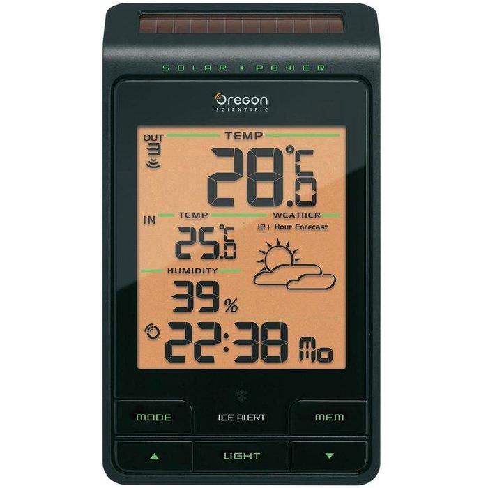 Цифровая метеостанция Oregon BAR806С радиодатчиком<br>Oregon&amp;nbsp;(Орегон)&amp;nbsp;BAR806&amp;nbsp;&amp;mdash; это многофункциональная настольная погодная станция с привлекательным дизайном, которая сообщит о солнечной погоде или осадках. Устройство имеет несколько температурных датчиков, которые представят вам очень точные данные о температуре воздуха внутри и снаружи вашего дома. Домашняя модель отличается встроенным гигрометром, который измеряет влажность внутри комнаты.<br><br>Страна: США<br>Диапазон темп. t, С: 40+60<br>Диапазон p, мм. рт. ст.: None<br>Диапазон rH, : 2595<br>Разрешение t, С: 0,1<br>Цвет корпуса: Черный<br>Питание, В: Батарейки<br>Колво батареек: 3<br>Тип батарейки: AA<br>Адаптер к 220В: Нет<br>В комнате t, С: Да<br>За окном t, С: Да<br>Влажность в помещении: Да<br>Влажность за окном: Да<br>Давление: Нет<br>Прогноз погоды: Да<br>Лунный календарь: Нет<br>Размер, мм: 160x94x46<br>Вес, кг: 1<br>Гарантия: 1 год<br>Ширина мм: 94<br>Высота мм: 160<br>Глубина мм: 46