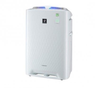 Очиститель воздуха Sharp KC-A61RWCо сменными фильтрами<br>Климатический комплекс KC-A61RW от компании SHARP обеспечит в вашем доме не просто комфортный, а здоровый микроклимат. Представленная модель очень удобна в управлении, функциональная и эффективна. Кроме того, прибор экономично расходует электрическую энергию. SHARP KC-A61RW поддерживает гармоничный баланс отрицательных и положительных ионов, влажность воздуха, а также очищает его от пыли, различных аллергенов и болезнетворных микроорганизмов.<br>Преимущества представленной модели очистителя воздуха:<br><br>Климатический комплекс: очистка, увлажнение, ионизация воздуха.<br>Уникальная технология ионизации и очистки воздуха Plasmacluster.<br>Рекомендуемая площадь помещения48 м2.<br>Прогрессивная технология распределения воздушного потока<br>Энергосберегающее инверторное управление.<br>Тройной сенсор (пыли, запаха, комбинированный для определения температуры и влажности). Цветовая индикация пыли (5 ступеней), запаха. Цифровая индикация уровня влажности с точностью до 1 %.<br>Усовершенствованный дизайн: корпус на колесиках, новая емкость для воды с ручкой-подставкой и широкой горловиной для залива воды.<br>Режимы: очистка воздуха, очистка и увлажнение,  Ионный дождь , Цветочная пыльца. Функция Защита от детей.<br><br> <br>С климатическим комплексом SHARP KC-A61RW все помещение насыщается свежим и чистым воздухом. Технология Plasmacluster функционирует совместно с отрицательными и положительными ионами, активно разлагая вредные вирусы, болезнетворные бактерии, споры плесени и иные другие виды примесей.  Автоматическое поддержание оптимального природного баланса ионов. Режим  Ионный дождь   не только ионизирует воздух, но и увлажняет его. Благодаря использованию данного режима устраняются неприятные бытовые и промышленные запахи, в том числе и статическое электричество. Воздух увлажняется по традиционному принципу холодного испарения, осуществляя бережное и естественное насыщение сухого воздуха влагой, не оставляя б