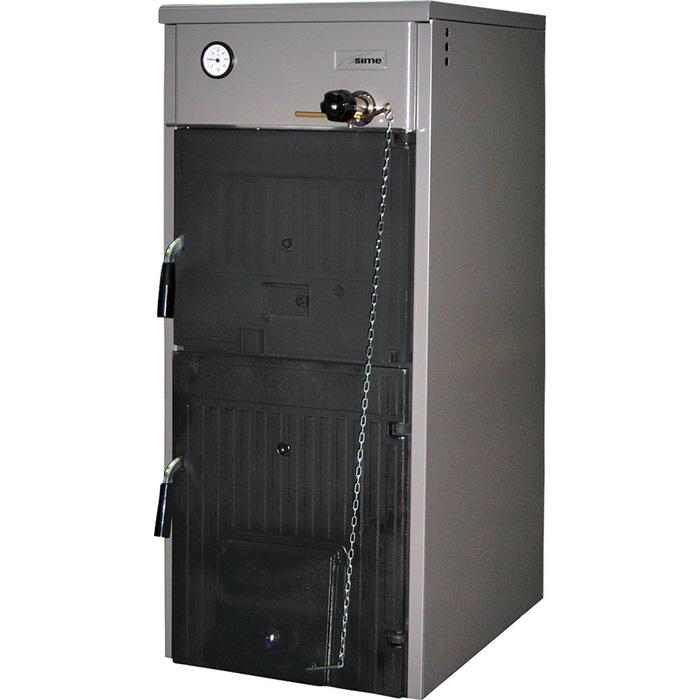 Котел Sime SOLIDA 5 PL25 кВт<br>В ситуациях, если в районе, где расположен ваш индивидуальный жилой дом постоянно наблюдаются скачки напряжения в сети или есть риск долгосрочного отключения электрического питания, но вы беспокоитесь о полноценном и качественном отоплении, отличным решением станет установка твердотопливного котла Sime (Сайм) SOLIDA 5 PL, который имеет надежную конструкцию и экономично использует топливо.<br>Особенности твердотопливных котлов оборудования от компании Sime серии SOLIDA:<br><br>Чугунный секционный котёл для работы на твёрдом топливе и пеллетах<br>3 объема бункера для хранения топлива<br>Специальная структура чугунных секций обеспечивает низкую эмиссию газов и сбалансированное горение твёрдого топлива<br>Чугунный теплообменник изолирован слоем теплоизоляции на алюминиевой невоспламеняющейся основе<br>Топливо для котла: каменный уголь, антрацит, кокс, дрова и пеллеты<br>Предназначен для работы в системах отопления с принудительной циркуляцией теплоносителя<br>Точная регулировка температуры производится термостатическим клапаном  Regulus  при работе на кусковом топливе<br>Возможность подключения бойлера косвенного нагрева<br>Горелка со встроенной системой электронного контроля<br>Система подачи пеллет с двигателем и шнеком<br>Контейнер с желобом древесных пеллет<br><br>Для эффективного обогрева жилых участков любой формы идеально подходят высокомощные твердотопливные котлы Sime серии SOLIDA. Все представленные модели были изготовлены из качественного и особопрочного чугуна, а также оборудованы удобной системой управления, что обеспечило высокую надежность котлов при работе в различных условиях и положительно повлияло на показатели их производительности.<br><br>Страна бренда: Италия<br>Производство: Италия<br>Мощ. дрова, кВт: None<br>Мощ. уголь, кВт: 25.6<br>Тип котла: Энергозависимые<br>Режим работы: Отопление<br>Камера сгорания: Открытая<br>Теплообменник: Чугун<br>Тип установки: Вертикальная<br>Колво секций: 5<br>Регулировка подачи воздух