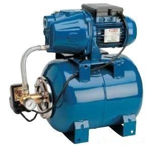 Насосная станция Speroni CAM 40/22-HLПоверхностные станции<br>Идеальным решением проблемы низкого давления в сет водопровода станет модель насосной станции Speroni (Сперони) CAM 40/22-HL от ведущего итальянского производителя. Чаще всего рассматриваемое оборудование используется для создания автономных сетей водоснабжения в сельскохозяйственном и промышленном производстве: станция способна перекачивать большое количество чистой жидкости с глубины до 8 метров. Также устройство идеально для повышения давления в бытовой сети водопровода.      <br>Основные преимущества рассматриваемой модели насосной станции от итальянского бренда Speroni:<br><br>Поверхностный вариант размещения.<br>Горизонтальный вариант установки.<br>Модель оборудована манометром.<br>Компактные размеры корпуса.<br>Позволяет поддерживать давление в системе в заданном диапазоне.<br>Предназначена только для чистой воды.<br>Автоматика слежения за уровнем воды.<br>Бесшумный двигатель.<br>Не требует особого обслуживания.<br>Благодаря самовсасывающему насосу, подача воды возможна с глубины до 8 метров.<br>Станция полностью автоматизирована.<br>Станция поставляется в полностью готовом к использованию виде.<br>Предназначена для длительной работы.<br>Крепления-ножки для прочной и надёжной установки.<br><br>Наш интернет-магазин предлагает вниманию пользователей серию насосных станций от известного итальянского производителя   компании Speroni . Рассматриваемое оборудование имеет широкую сферу применения   от бытовых до сельскохозяйственных и других промышленных систем водопровода. Все модели изготовлены из материалов высокого качества и оснащены современными комплектующими компонентами. Кроме того, все насосные станции оборудованы системой защиты двигателя, которая гарантирует безопасную и длительную эксплуатацию. <br><br>Страна: Италия<br>Производитель: Италия<br>Производ. л/мин: 45<br>Объем бака, л: 22<br>Мощность, Вт: 600<br>Напряжение сети, В: 220 В<br>Max напор, м: 38<br>Рабочая глубина, м: 8<br>Max темп. ж