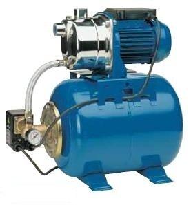 Насосная станция Speroni CAM 80/22-HLПоверхностные станции<br>Мощная насосная станция Speroni (Сперони)&amp;nbsp;CAM 80/22-HL &amp;ndash; это современное оборудование, которое позволяет перекачать большое количество чистой жидкости с глубины до восьми метров, для чего необходимо приобрести отдельно гибкий шланг с обратным клапаном. Кроме того, рассматриваемое оборудование способно служить повысителем давления в бытовой сети водопровода. &amp;nbsp;&amp;nbsp;&amp;nbsp;&amp;nbsp;&amp;nbsp;<br>Основные преимущества рассматриваемой модели насосной станции от итальянского бренда Speroni:<br><br>Поверхностный вариант размещения.<br>Горизонтальный вариант установки.<br>Модель оборудована манометром.<br>Компактные размеры корпуса.<br>Позволяет поддерживать давление в системе в заданном диапазоне.<br>Предназначена только для чистой воды.<br>Автоматика слежения за уровнем воды.<br>Бесшумный двигатель.<br>Не требует особого обслуживания.<br>Благодаря самовсасывающему насосу, подача воды возможна с глубины до 8 метров.<br>Станция полностью автоматизирована.<br>Станция поставляется в полностью готовом к использованию виде.<br>Предназначена для длительной работы.<br>Крепления-ножки для прочной и надёжной установки.<br><br>Наш интернет-магазин предлагает вниманию пользователей серию насосных станций от известного итальянского производителя &amp;ndash; компании Speroni . Рассматриваемое оборудование имеет широкую сферу применения &amp;ndash; от бытовых до сельскохозяйственных и других промышленных систем водопровода. Все модели изготовлены из материалов высокого качества и оснащены современными комплектующими компонентами. Кроме того, все насосные станции оборудованы системой защиты двигателя, которая гарантирует безопасную и длительную эксплуатацию.&amp;nbsp;<br><br>Страна: Италия<br>Производитель: Китай<br>Производительность, л/мин: 50<br>Объем бака, л: 22<br>Мощность, Вт: 600<br>Напряжение сети, В: 220 В<br>Max напор, м: 38<br>Глубина всасывания, м: 8<br>Max темп. жидкости, С: 35