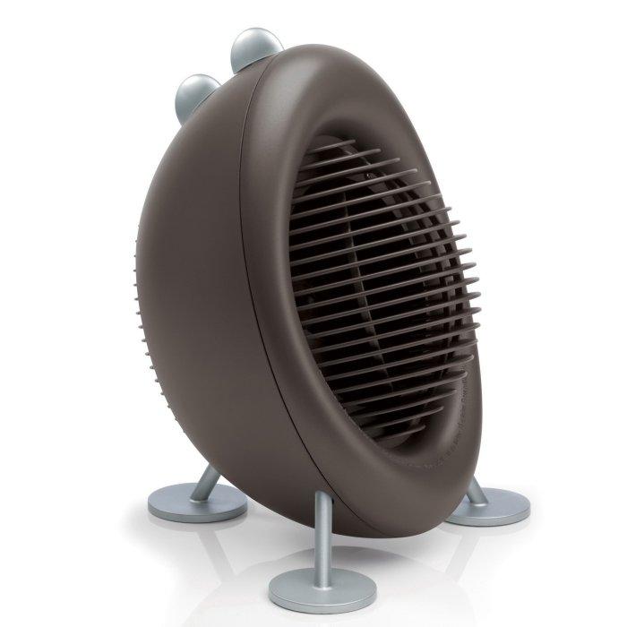Керамический тепловентилятор Stadler Form M-025Бытовые<br>Stadler Form M-025   это эргономичный и эффективный настольный тепловентилятор с несколькими режимами мощности, выполненный в ультрасовременном фирменном дизайне. Такое устройство позволяет с комфортом, минимальными расходами на электроэнергию и полной безопасностью обогревать небольшие территории на объектах жилого, коммерческого или административного типа.<br>Особенности и преимущества тепловентилятора Stadler Form:<br><br>Терморегулятор: 2 уровня<br>Уровень шума: менее 46 Дб<br>Мощность: 800/2000 W<br>Функция защиты от замерзания<br>Автоматическая защита от перегрева<br>Автоматическое выключение при опрокидывании<br>Обслуживаемая площадь: до 25 кв\м<br>Вес: 2.5кг<br><br>Современные тепловентиляторы Stadler Form представляют собой семейство высокоэффективных бытовых агрегатов, используемых для обогрева помещений небольшой или средней площади. Все рассматриваемые обогреватели отличаются изящным и стильным исполнением, а также высокой прочностью материалов, использованных для создания элементов внутренней комплектации.  <br><br>Страна: Швейцария<br>Мощность, кВт: 2,0<br>Площадь, м?: 25<br>Тип нагревательного элемента: Керамический<br>Тип регулятора: Механический<br>Защита от перегрева: Есть<br>Отключение при опрокидывании: Есть<br>Ионизатор: Нет<br>Дисплей: Нет<br>Пульт: Нет<br>Габариты, мм: 290x370x270<br>Вес, кг: 3<br>Гарантия: 1 год<br>Ширина мм: 370<br>Высота мм: 290<br>Глубина мм: 270