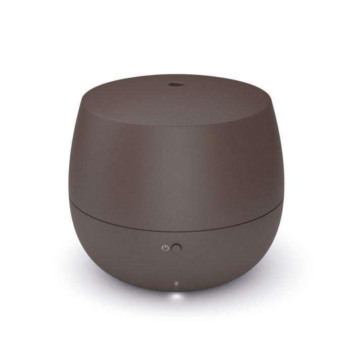 Ультразвуковой ароматизатор воздуха Stadler Form M-052Арома-увлажнители<br>Современный ароматизатор воздуха модели Stadler Form M-052 выполнен из качественного и безопасного пластика, благодаря чему отличается простым уходом и долгим сроком эксплуатации. Приятный дизайн и компактные размеры такой модели позволяют размещать ее в любом месте комнаты, а также в помещениях самых разных типов. Ароматизатор работает с минимальным уровнем шума.<br>Особенности и преимущества ароматизатора воздуха Stadler Form:<br><br>Интервальный режим<br>До 10 часов беспрерывной работы<br>Равномерное распределение аромата в помещении<br>Мощность: 7.2 Вт<br>Количество скоростей: 1<br>Емкость резервуара: 0,1 л<br>Уровень шума: не более 26 дБ(А)<br>Площадь помещения: 50 м  / 125 м <br>Материал корпуса: пластик<br>Масса: примерно 0.3 кг<br><br>Ароматизаторы воздуха Stadler Form                имеют уникальный изящный дизайн, компактны и просты в использовании. С помощью таких незатейливых устройств Вы сможете организовать в офисе или в собственном доме приятную атмосферу и позволите распространяющимся ароматам мягко привести Вас в желаемое настроение. Дизайнеры компании позаботились об эргономичности моделей, что обеспечило несложный уход. <br> <br> <br> <br> <br><br>Страна: Швейцария<br>Производитель: Китай<br>Мощность: 7,2<br>Обьем бака, л: 0,1<br>Цвета: Бронзовый<br>Тип: Ультразвуковой<br>Ионизация: Нет<br>Гигростат: Нет<br>Дисплей: Нет<br>Питание, В: 220 В<br>Предварительный нагрев воды: Нет<br>Деминерализующий картридж: Нет<br>Регулировка направления увлажнения: Нет<br>Расход воды, мл/ч: 5<br>Размеры подарочной упаковки: Нет<br>ГабаритыВШГ, мм: 90x100x100<br>Вес, кг: 1<br>Гарантия: 1 год