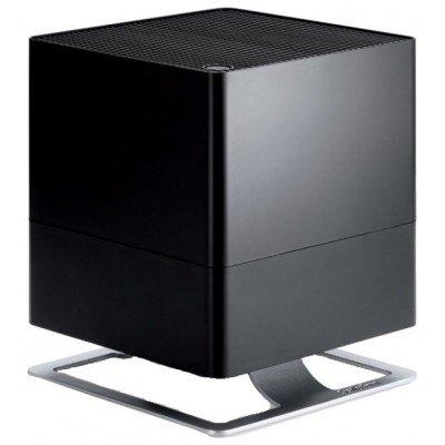 Увлажнитель воздуха Stadler Form O-021 Oskar BlackТрадиционные<br>Стильный и элегантный увлажнитель воздуха от фирмы Stadler Form, обеспечен большим резервуаром для воды, а также функцией, обеспечивающей ароматическое распыление. Представленный прибор несомненно станет не только полезным незаменимым помощником для создания самого комфортного микроклимата в помещениях, а и к тому же украсит любой интерьер. <br>Увлажнение в  Oskar  осуществляется традиционным способом - воздух проходит через специальную систему предназначенную для кассетного увлажнения. Устройство обеспеченно встроенным гигростатом, который определяет необходимый уровень влажности и обеспечивает его поддержание. Увлажнитель работает по принципу саморегуляции   при достижении самого оптимального уровня влажности он прекратит свою работу. Поэтому  Оскар  является еще и самым экономичным устройством.<br>Особенности:<br><br>В устройстве есть несколько режимов мощности, а также ночной режим. Представленное устройство предназначено для обслуживания различных помещений площадью до сорока квадратных метров.<br>В комплектацию входит специальный  гигростат, позволяющий контролировать нужный пользователю уровень влажности воздуха в обслуживаемом помещении. В представленном приборе встроена функция саморегуляции, поэтому Вам не нужно будет будет заботиться о его своевременном отключении   увлажнитель сам сможет определить оптимальный уровень влажности.<br>Очень полезной будет также функция, предназначенная для отключения при недостаточном количестве воды. <br>В увлажнителе есть функция ароматизации воздуха в помещении, что дает возможность применять его в режиме ароматерапии.<br>В комплектацию также включена специальная сменная антибактериальная кассета, вбирающая болезнетворные бактерии и выполняющая функцию дополнительного обеззараживания воды.<br><br> <br><br><br>Страна: Швейцария<br>Производитель: Китай<br>Площадь, м?: 40<br>Площадь по очистке, м?: Нет<br>Воздухообмен, мsup3;/ч: Нет<br>Колво режимов работы: 2