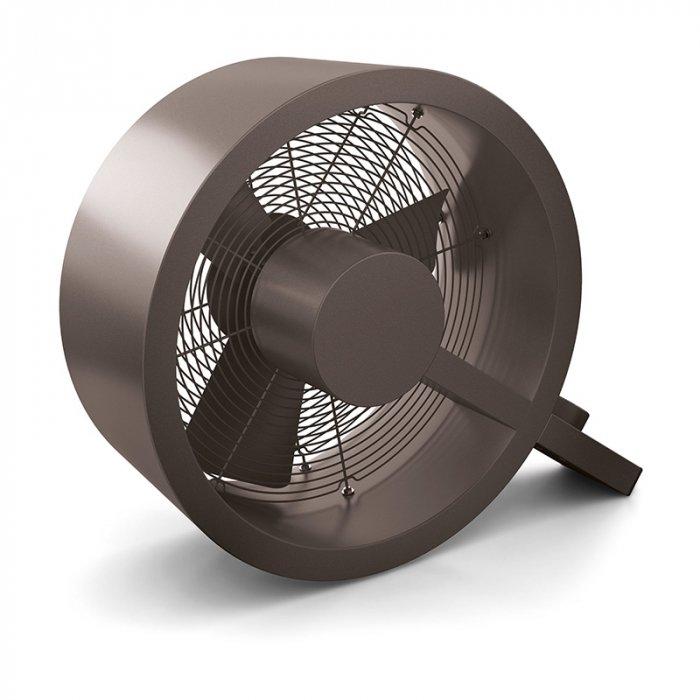 Вентилятор Stadler Form Q-014 Q BRONZE FanЛопастные<br>Stadler Form (Стадлер Форм) Q-014 Q BRONZE Fan представляет собой модель универсального напольного вентилятора, предназначенного для помещений различного предназначения. Удобная механическая система управления обеспечивает комфортное использование агрегата. Вентилятор работает в трех режимах скорости. Двигатель устройства надежно защищен от перегрева.<br>Особенности и преимущества напольных вентиляторов от компании Stadler Form:<br><br>Доступны по цене.<br>Экономичны по энергопотреблению.<br>Имеют плавную регулировку при вращении лопастей.<br><br>Напольные вентиляторы Stadler Form с легкость смогут привнести долгожданную прохладу в ваш дом. Это тихие, но производительные устройства, надежные и экономичные. Каждая модель   это не просто функциональный агрегат, но и великолепная дизайнерская идея, которая станет украшение интерьерной концепции жилища. На сегодняшний день торговая марка Stadler Form предлагает покупателям довольно много различных новых возможностей, а также функций в этих приборах, но самой большой популярностью неизменно пользуются всем привычные бытовые вентиляторы.  С их помощью легко можно обеспечивать прохладным воздухом не только отдельные рабочие места, а и всю комнату. А еще лопасти таких приборов в несколько раз длиннее, а значит, и обдувают такие модели гораздо большие пространства.<br><br>Страна: Швейцария<br>Производитель: Китай<br>S обдува, мsup2: None<br>Диаметр лопастей, дюйм: 14,4<br>Мощность, Вт: 40<br>Воздушный удар: None<br>Воздухообмен м3/ч: 2400<br>Угол наклона, : None<br>Угол поворота, : None<br>Режим обдува: None<br>Уровень шума, дБ: 41<br>Пульт управления: Нет<br>Таймер: Нет<br>Ионизация: Нет<br>Увлажнение: Нет<br>Обогрев: Нет<br>Цвет: Бронзовый<br>Габариты ВхШхГ, мм: 360x430x150<br>Вес, кг: 4<br>Гарантия: 1 год<br>Ширина мм: 430<br>Высота мм: 360<br>Глубина мм: 150