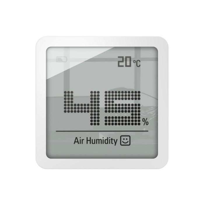 Гигрометр с термометром Stadler Form S-080 Selina little whiteБез радиодатчика<br>Stadler Form (Стадлер Форм) S-080 Selina little white представляет собой модель миниатюрного прибора, измеряющего уровень влажности и температуру воздуха. Гигрометр крепиться к стене в помещениях жилого, офисного, коммерческого и промышленного типа. В качестве источника питания используется батарейка типа CR2016. Прибор измеряет температуру в диапазоне от -10 до +50  C.<br>Особенности и преимущества:<br><br>Компактный размер<br>Измеряет температуру и влажность<br>Диапазон относительной влажности воздуха: 10% 98% (  3%)<br>Диапазон рабочей температуры: -10  С до +50  С ( 1  С) Уровень шума: 0 Дб<br>Работает от батареи типа CR2016<br>В комплекте 1 батарея<br><br>Настольные метеоприборы   очень полезный аксессуар. Гигрометр от компании Stadler Form поможет пользователю скорректировать уровень влажности благодаря точному его измерению. Значения влажностного показателя, а также другая нужная информация отображаются на цифровом дисплее, который отличается большими размерами. А вот сам прибор очень компактен и легок, что позволит с удобством расположить его на столике или взять с собой на дачу.<br><br>Страна: Швейцария<br>Диапазон темп. t, С: 10+50<br>Диапазон p, мм. рт. ст.: Нет<br>Диапазон rH, : 1098<br>Разрешение t, С: None<br>Цвет корпуса: Белый<br>Питание, В: Батарейки<br>Колво батареек: 1<br>Тип батарейки: CR2016<br>Адаптер к 220В: Нет<br>В комнате t, С: Есть<br>За окном t, С: Нет<br>Влажность в помещении: Да<br>Влажность за окном: Нет<br>Давление: Нет<br>Прогноз погоды: Нет<br>Лунный календарь: Нет<br>Размер, мм: 47х47х6<br>Вес, кг: 1<br>Гарантия: 1 год<br>Ширина мм: 47<br>Высота мм: 47<br>Глубина мм: 6